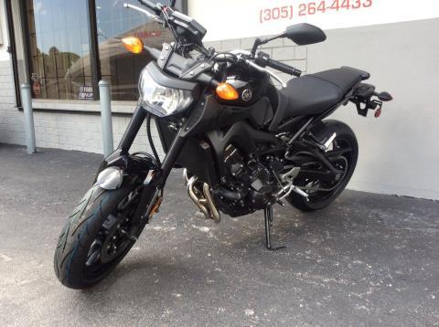 2016 Yamaha FZ-09 in Miami, Florida