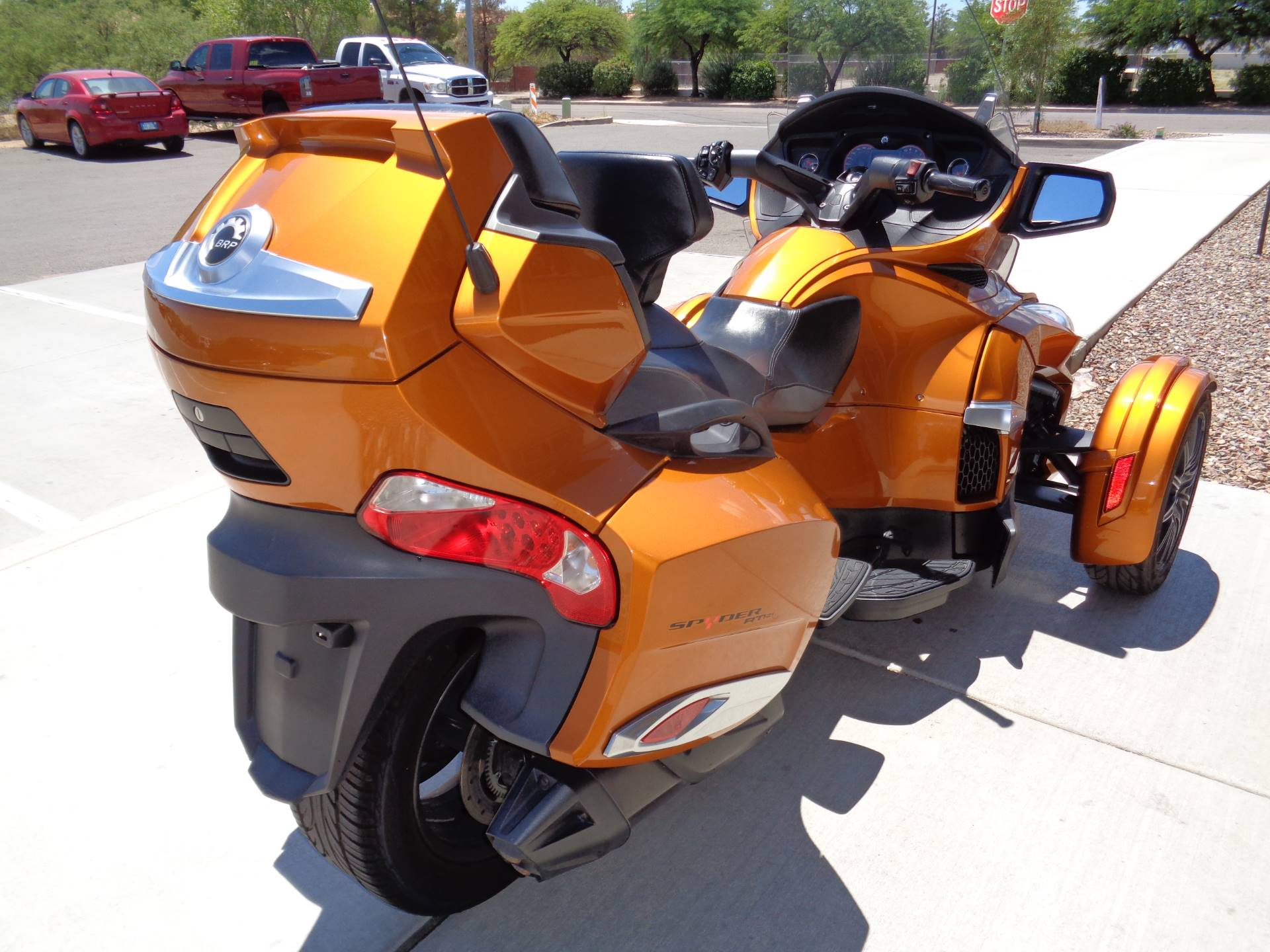 2014 Can-Am Spyder® RT-S SE6 in Sierra Vista, Arizona - Photo 6