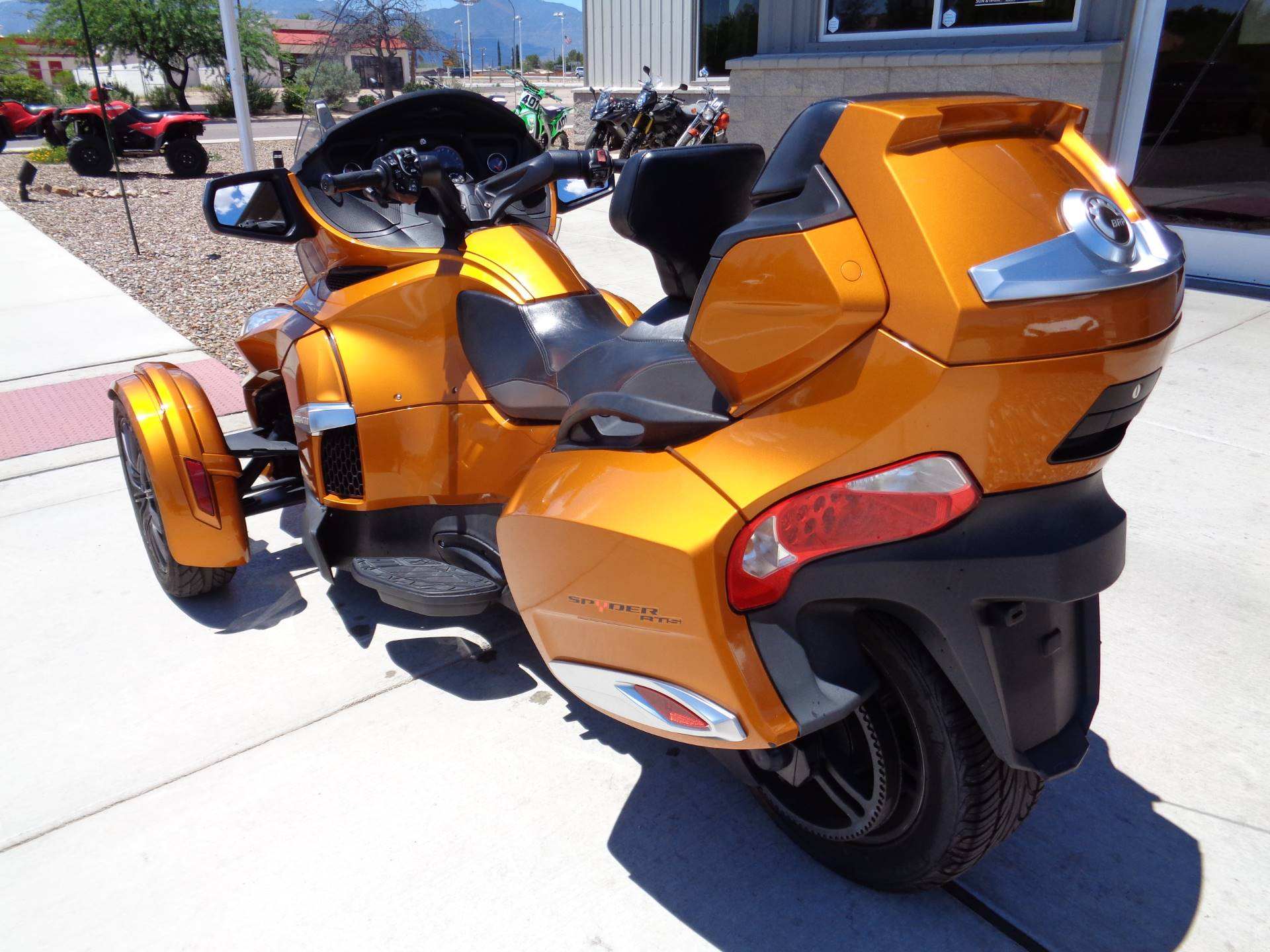 2014 Can-Am Spyder® RT-S SE6 in Sierra Vista, Arizona - Photo 8