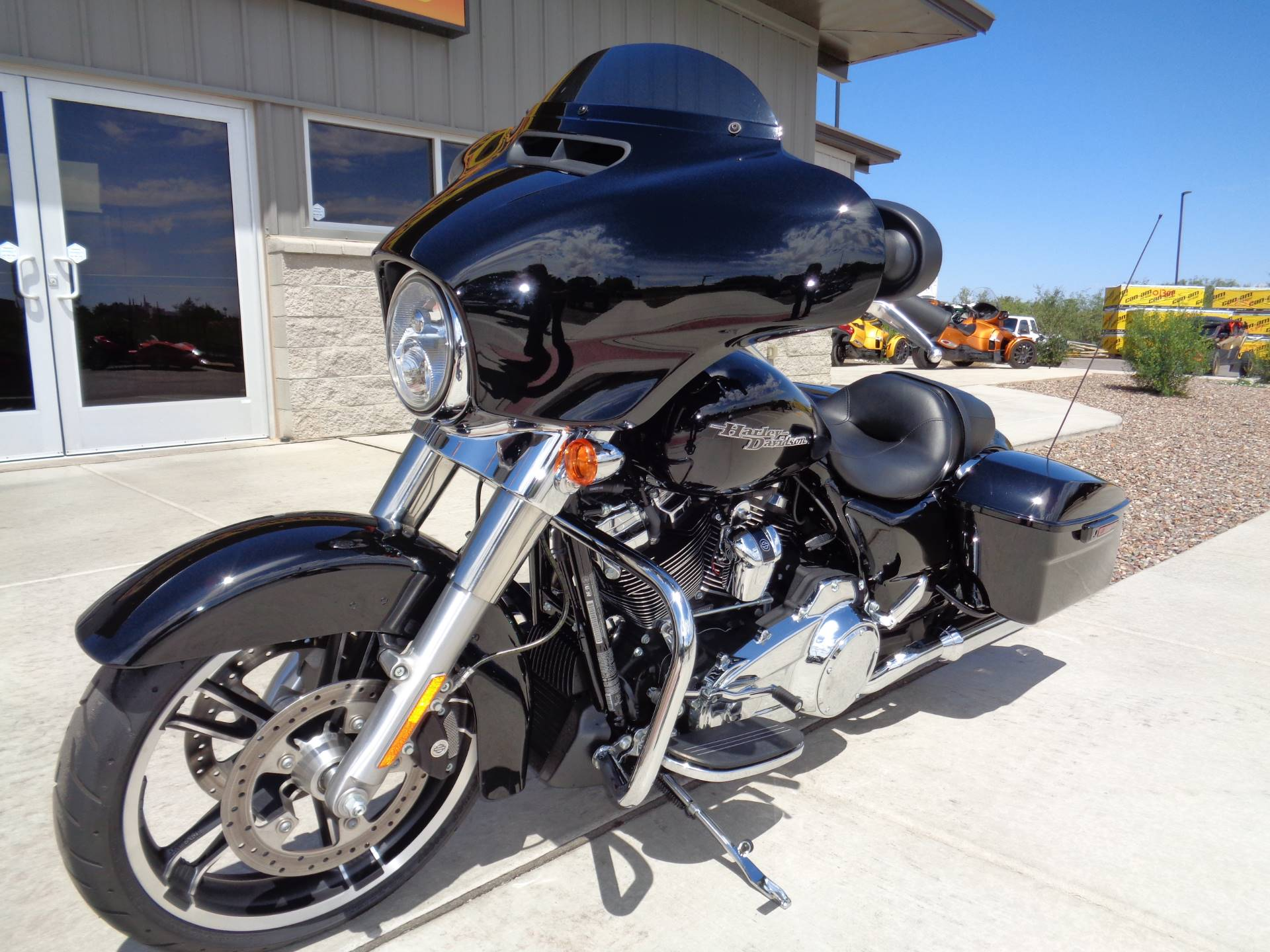 2018 Harley-Davidson Street Glide® in Sierra Vista, Arizona - Photo 2