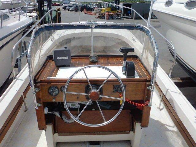 1972 Boston Whaler 21 Outrage in Oceanside, New York - Photo 9