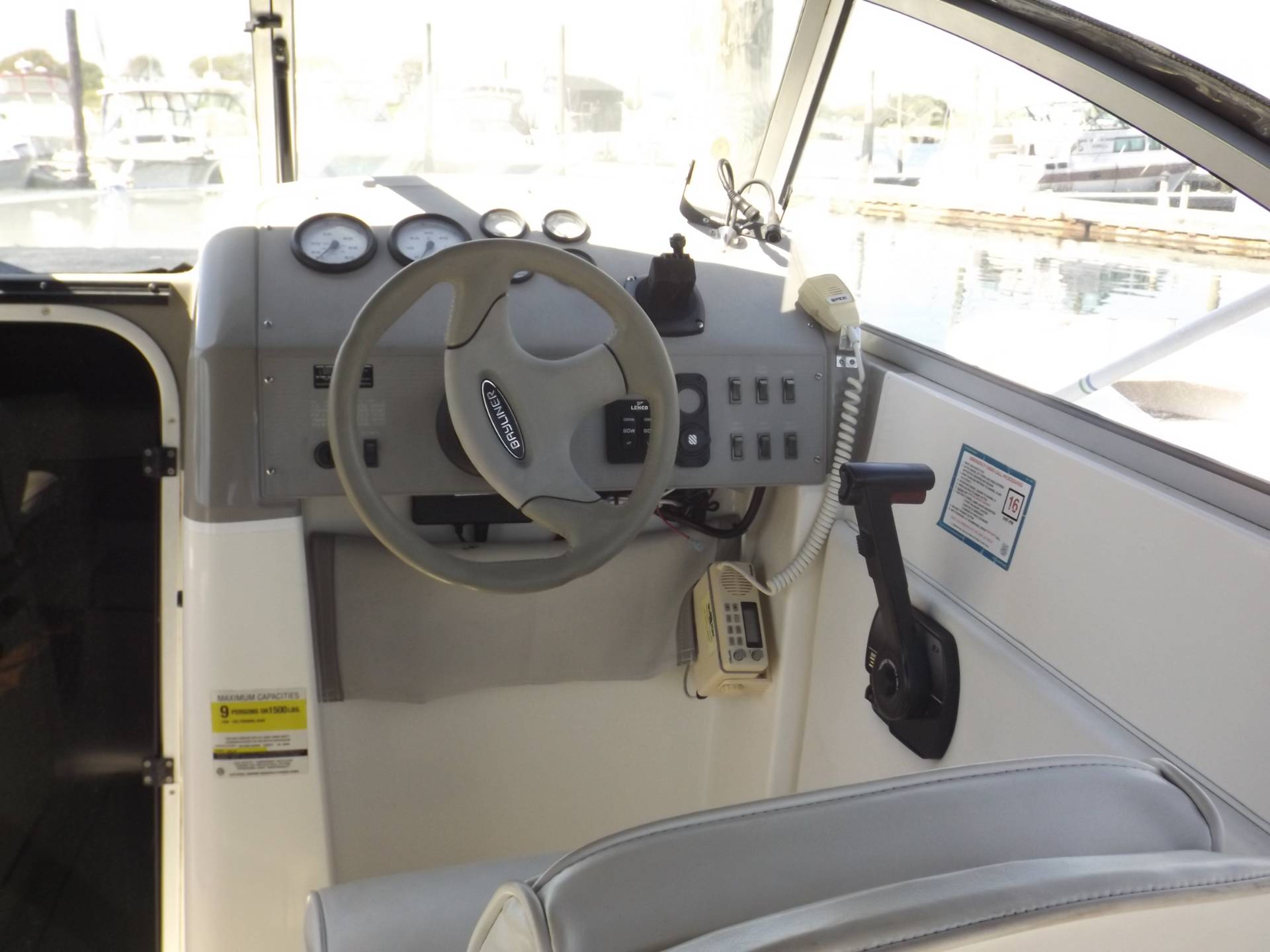 2000 Bayliner 2252 Ciera Express in Oceanside, New York - Photo 9