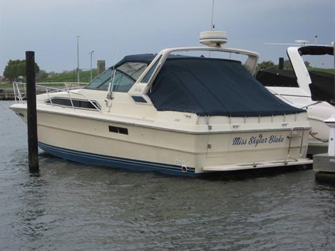 1986 Sea Ray 340 Express Cruiser in Oceanside, New York - Photo 1