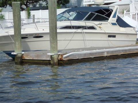 1986 Sea Ray 340 Express Cruiser in Oceanside, New York - Photo 4