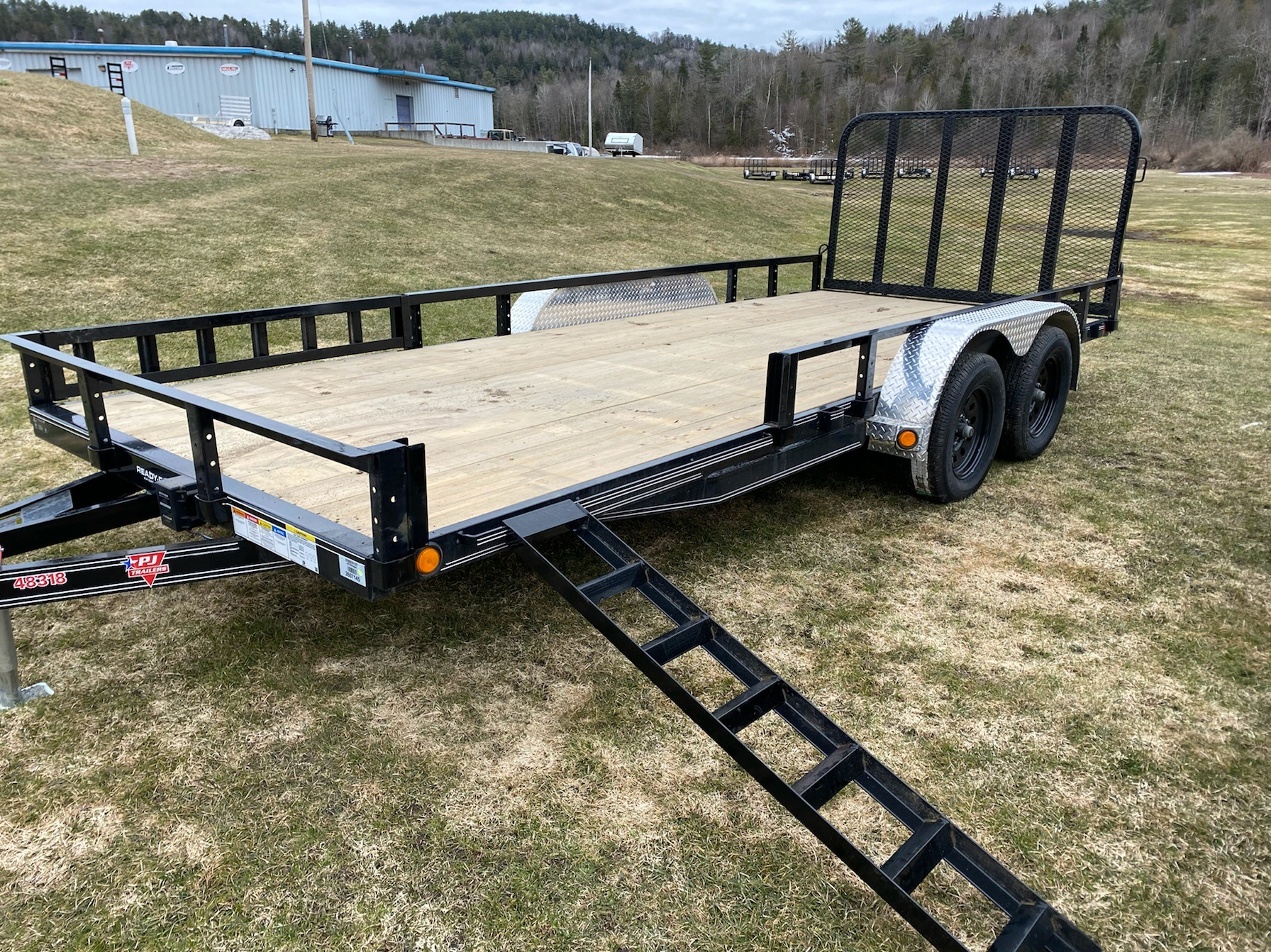 "2020 PJ Trailers PJ 18'X83"" Tandum Axle Utility Trailer in Saint Johnsbury, Vermont - Photo 2"