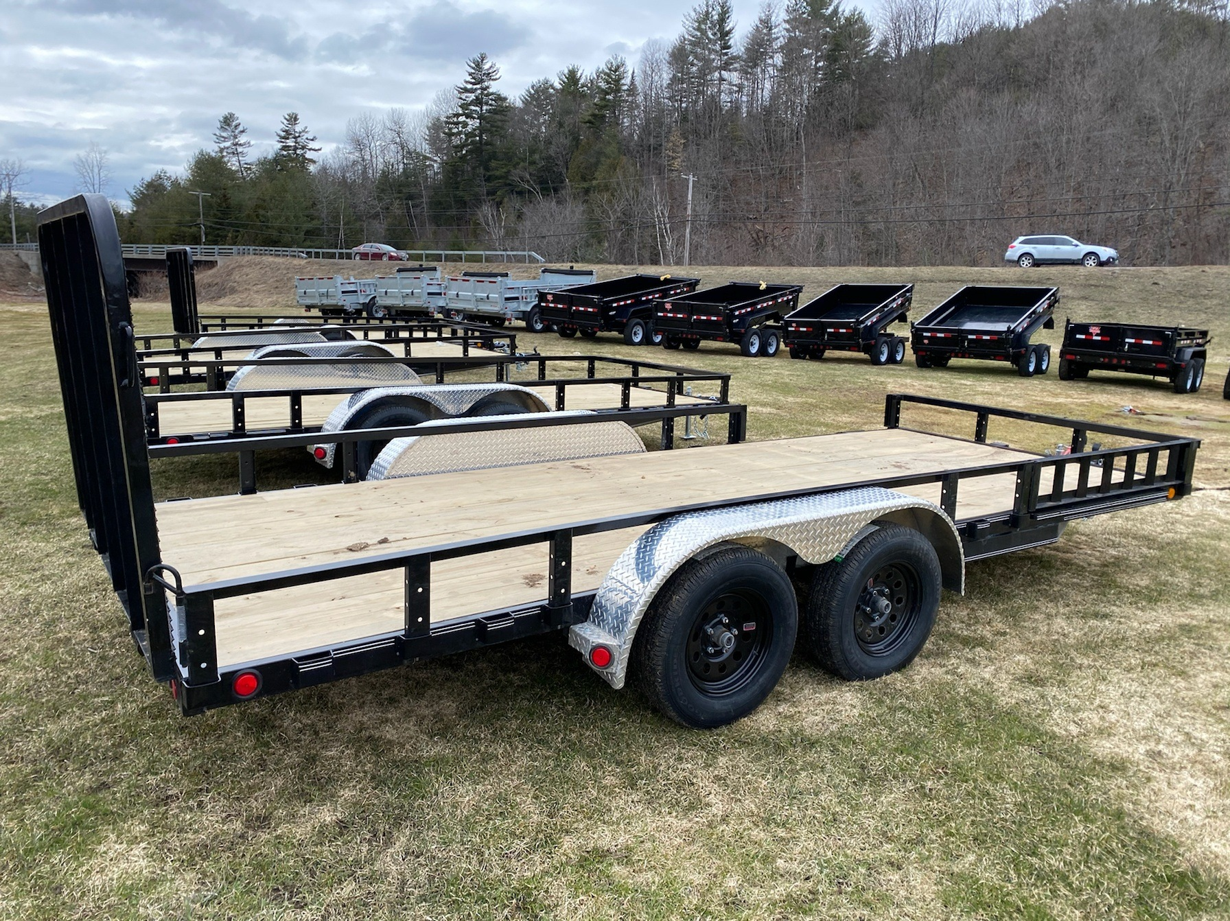 "2020 PJ Trailers PJ 18'X83"" Tandum Axle Utility Trailer in Saint Johnsbury, Vermont - Photo 3"