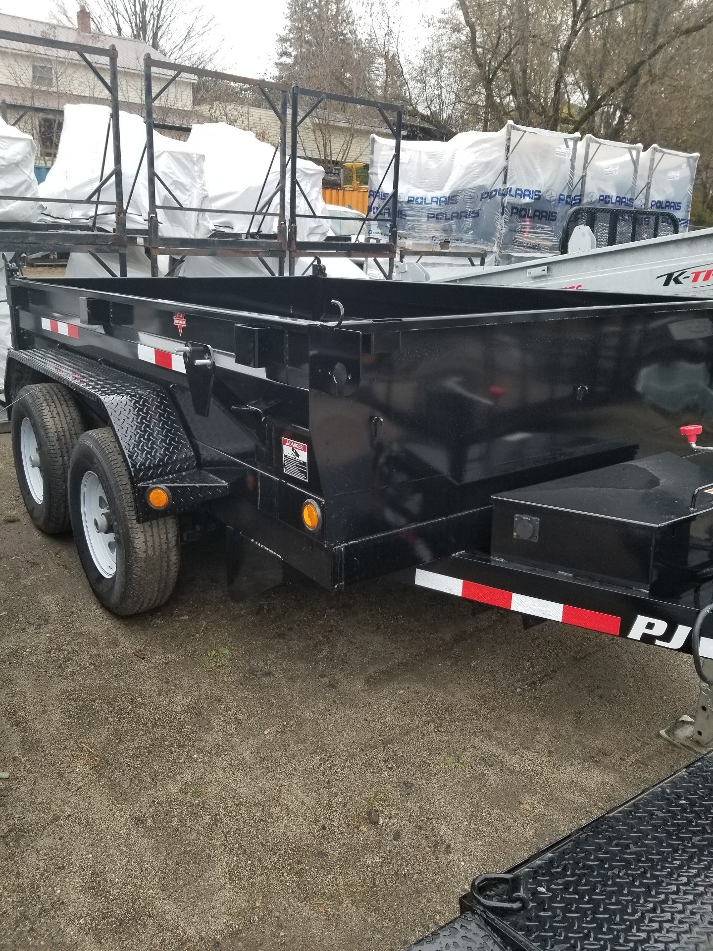 "2019 PJ Trailers PJ 10'x78"" 10K Dump Trailer in Saint Johnsbury, Vermont - Photo 2"