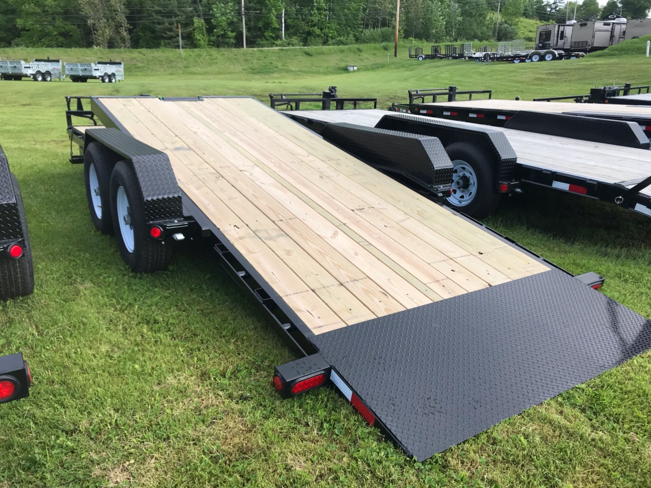 "2020 PJ Trailers PJ 20'X6"" 14K Tilt Deck Equip Trailer in Saint Johnsbury, Vermont - Photo 1"