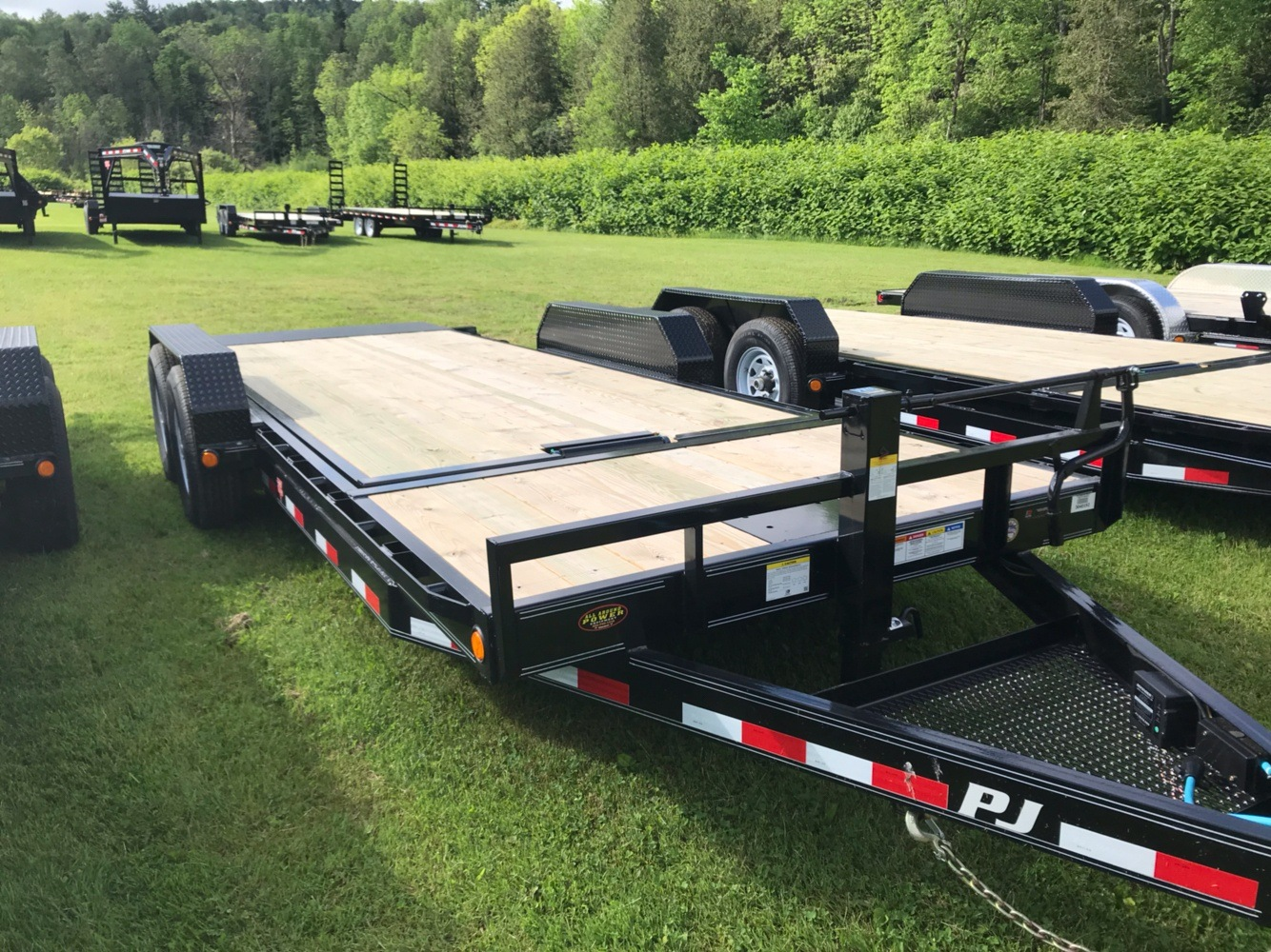 "2020 PJ Trailers PJ 20'X6"" 14K Tilt Deck Equip Trailer in Saint Johnsbury, Vermont - Photo 3"