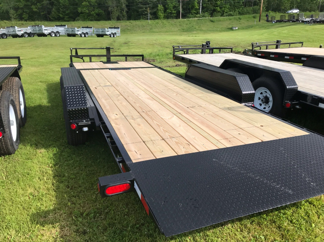 "2020 PJ Trailers PJ 20'X6"" 14K Tilt Deck Equip Trailer in Saint Johnsbury, Vermont - Photo 4"