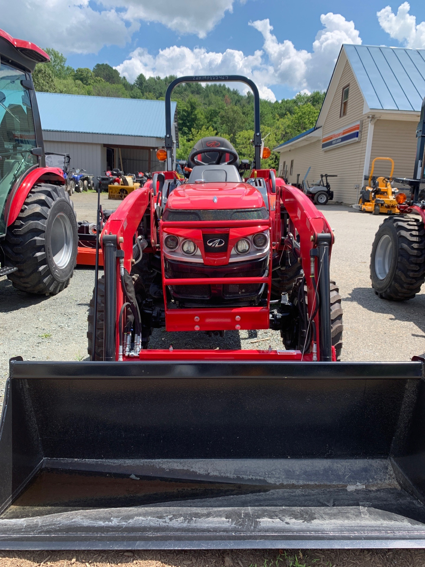 Mahindra TR 1626 HST W/IND Tires and Loader in Saint Johnsbury, Vermont - Photo 2