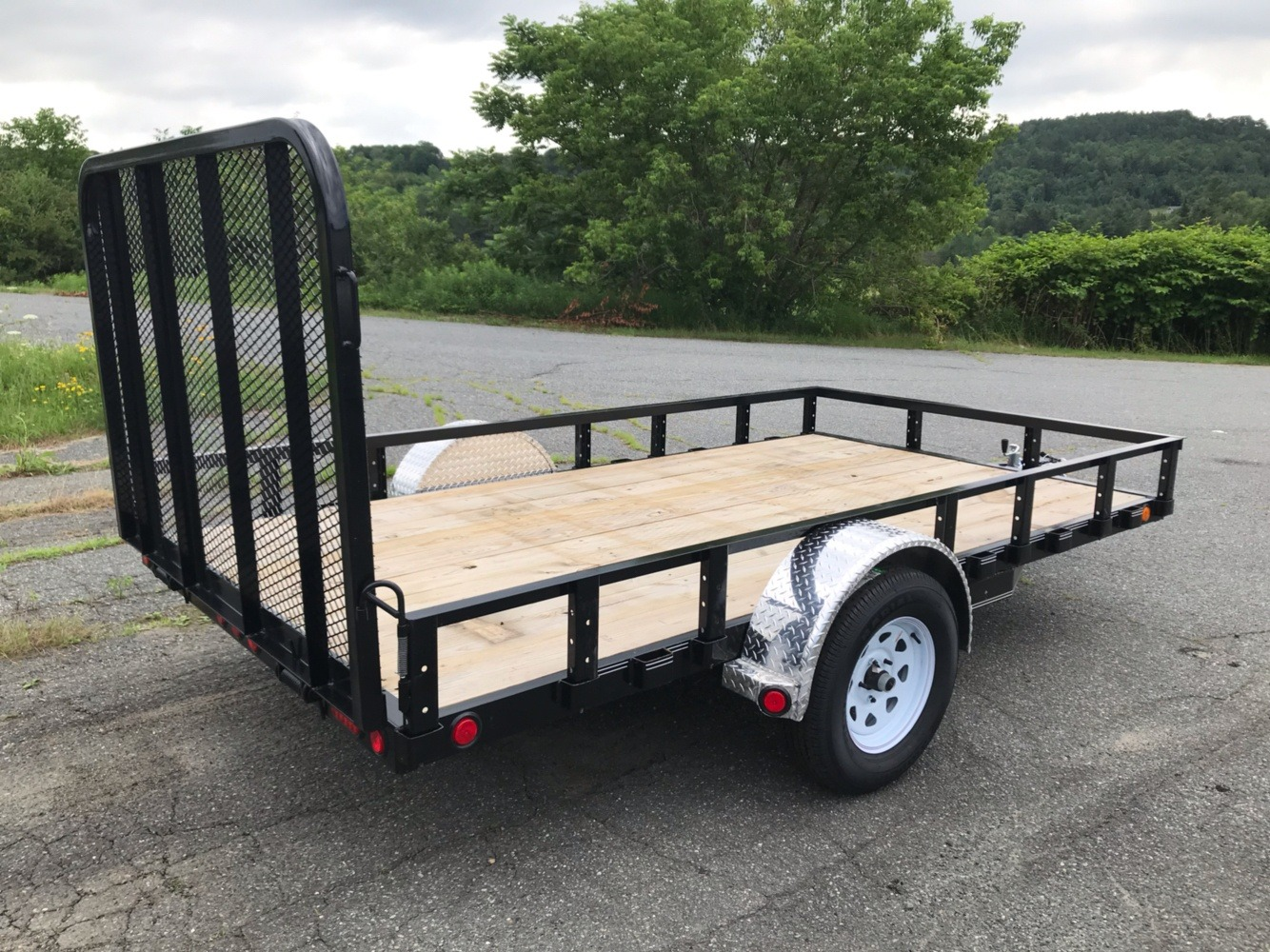 "2019 PJ Trailers PJ 12'X77"" Utility Trailer in Saint Johnsbury, Vermont - Photo 1"
