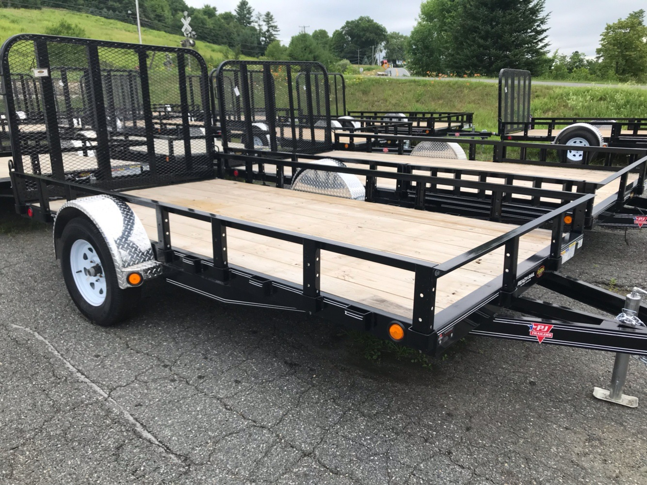 "2019 PJ Trailers PJ 12'X77"" Utility Trailer in Saint Johnsbury, Vermont - Photo 5"