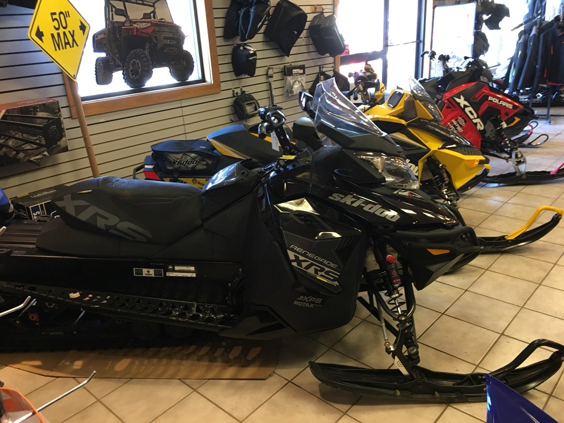 2017 Ski-Doo Renegade in Saint Johnsbury, Vermont