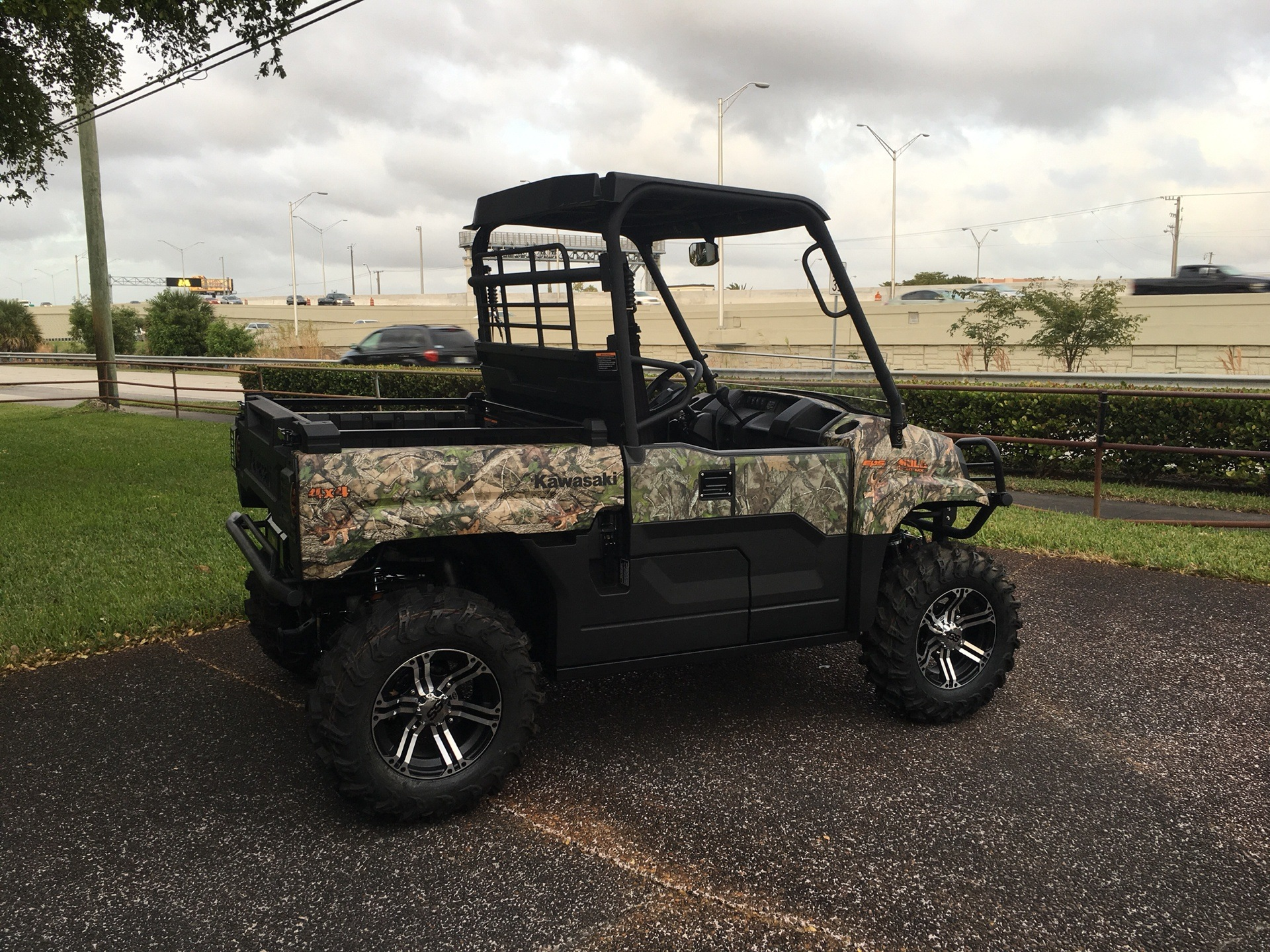 2019 Kawasaki Mule PRO-MX EPS Camo in Hialeah, Florida - Photo 1