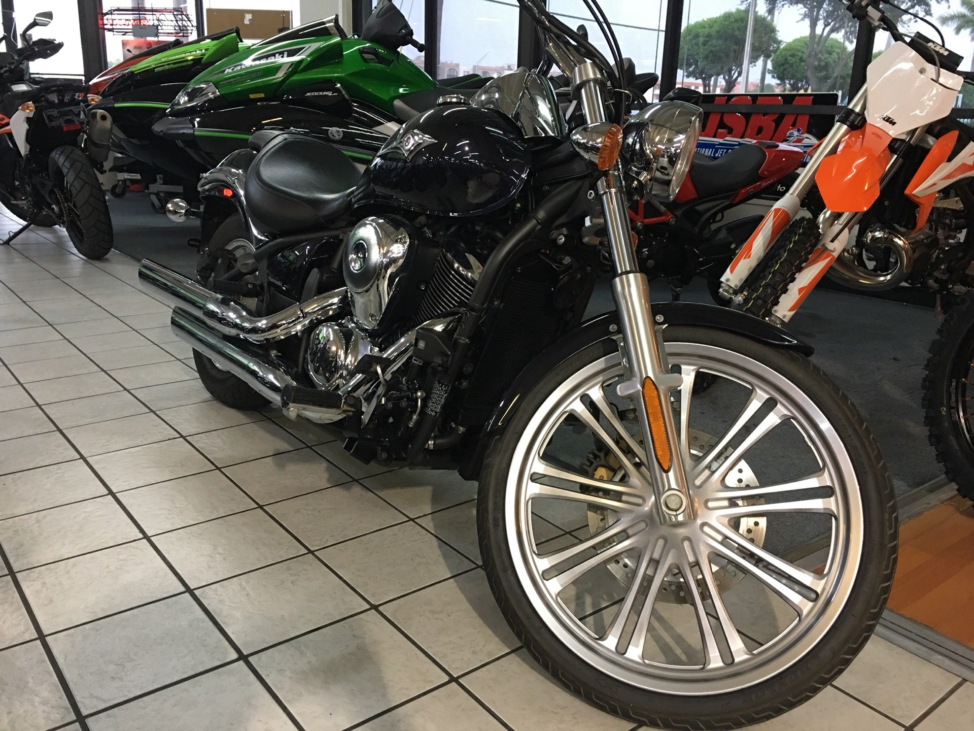 2012 Kawasaki Vulcan® 900 Custom in Hialeah, Florida - Photo 1