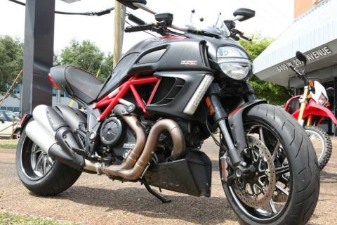 2012 Ducati Diavel Carbon in Hialeah, Florida