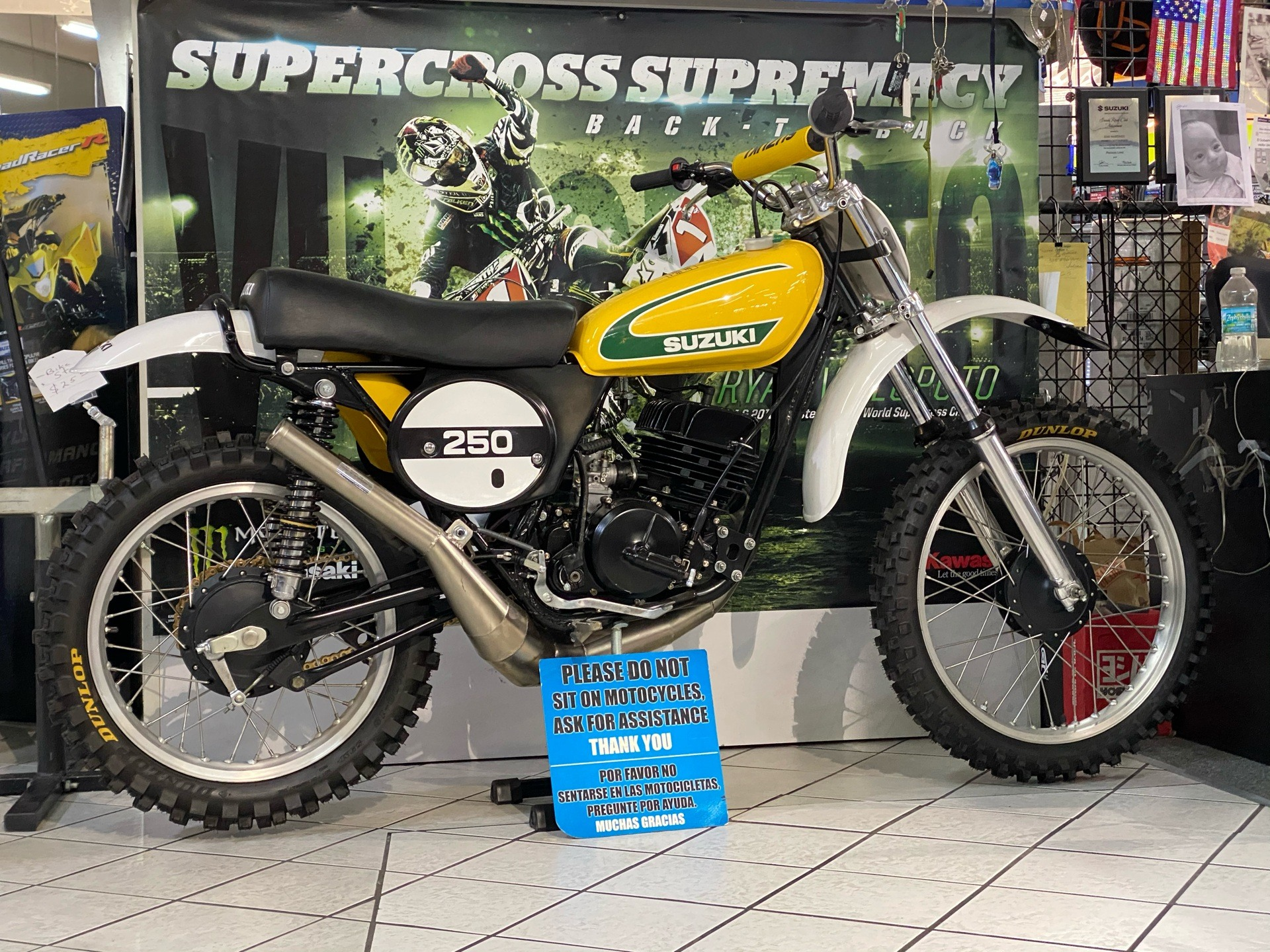 1974 Suzuki TM250 in Hialeah, Florida - Photo 1