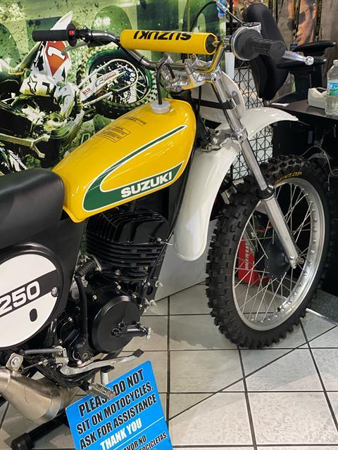 1974 Suzuki TM250 in Hialeah, Florida - Photo 3