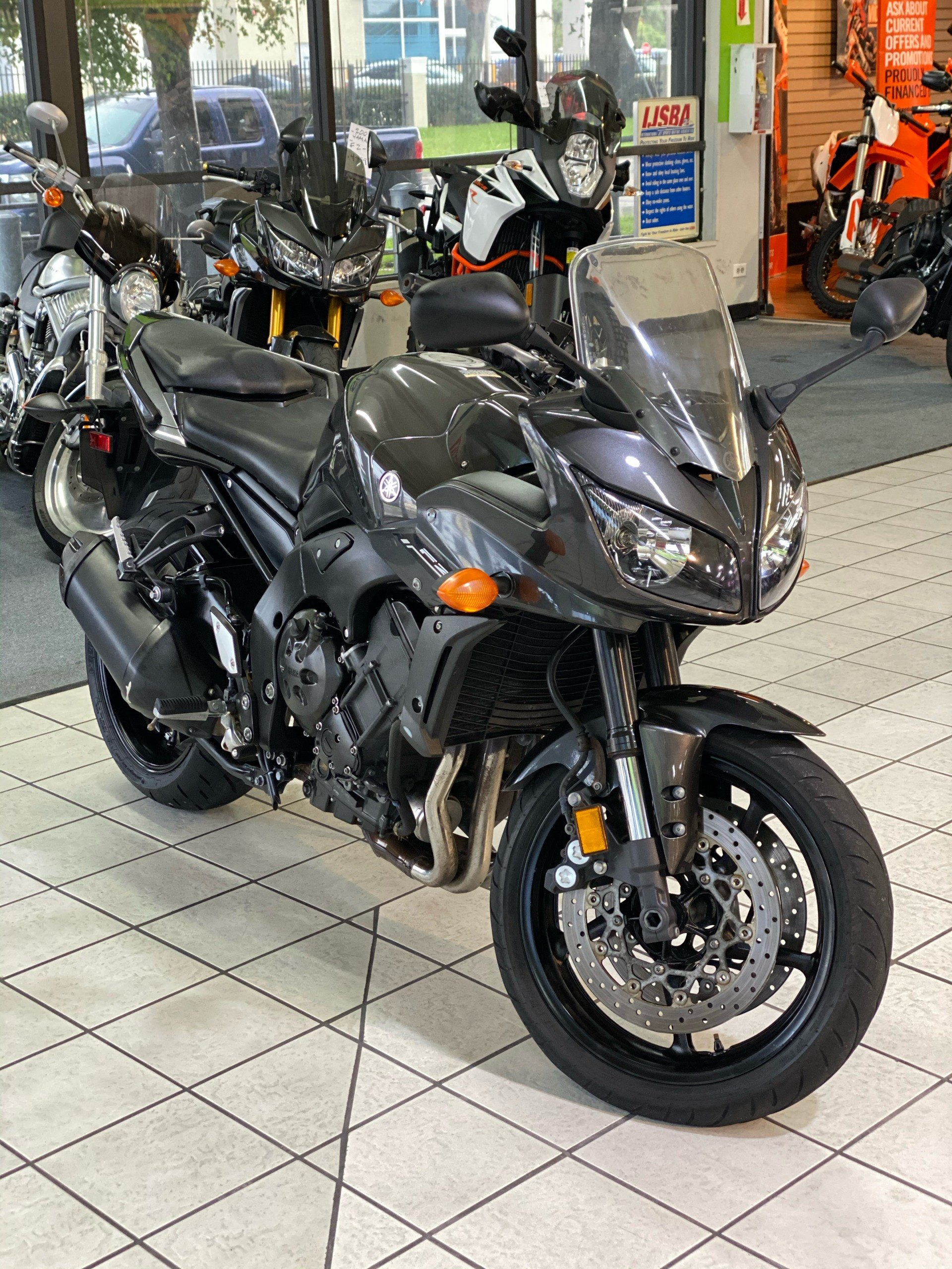 2015 Yamaha FZ1 in Hialeah, Florida - Photo 2