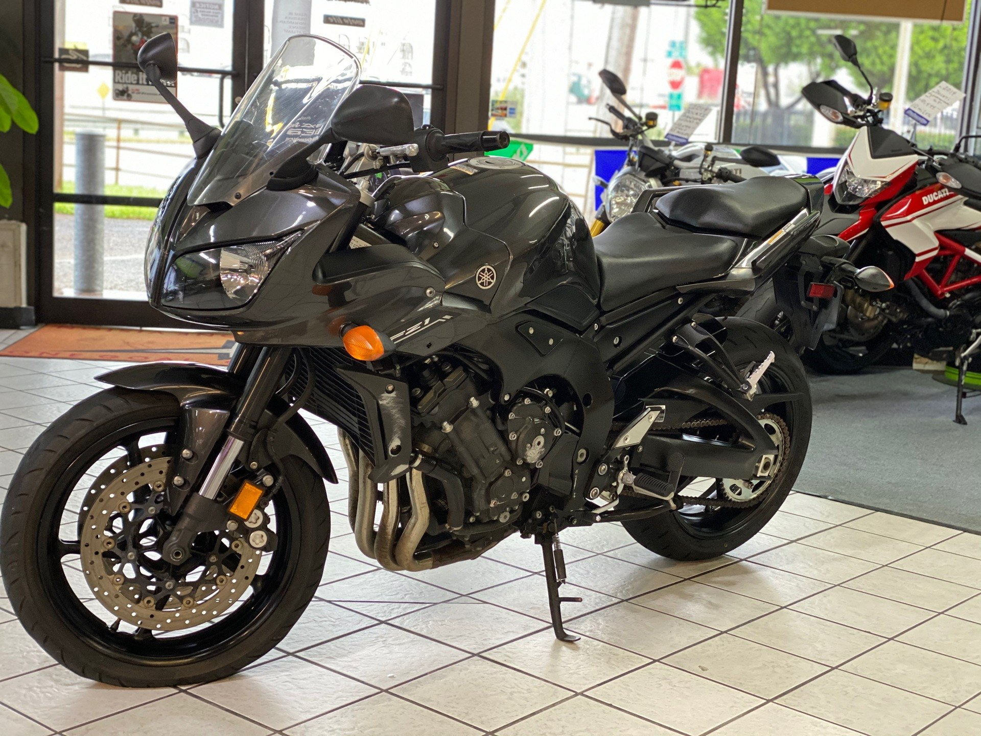 2015 Yamaha FZ1 in Hialeah, Florida - Photo 4