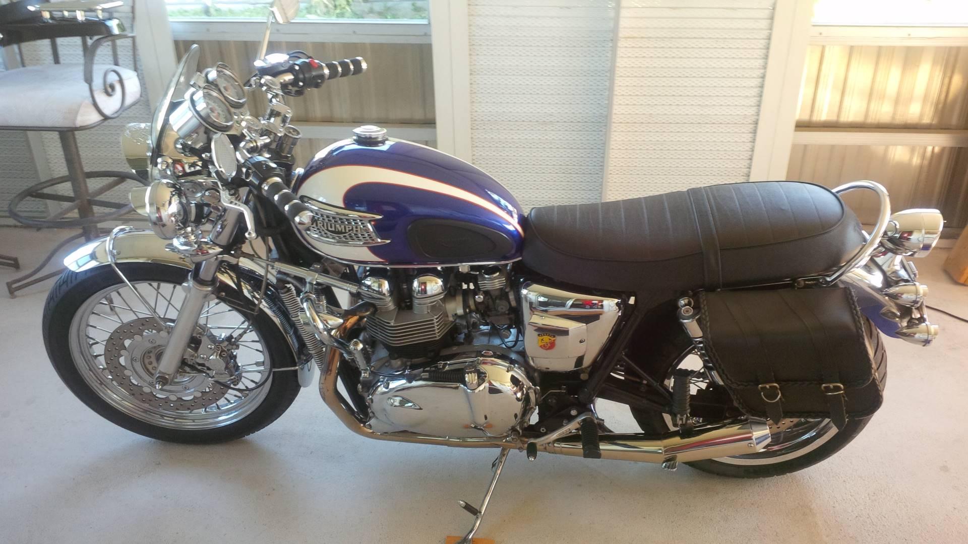 2003 Bonneville T100