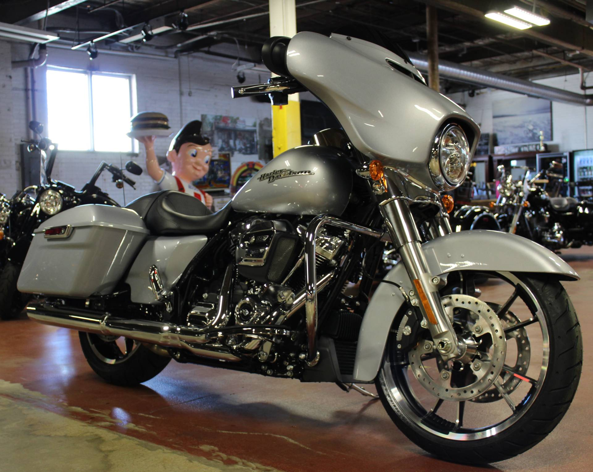 2020 Harley-Davidson Street Glide® in New London, Connecticut - Photo 2