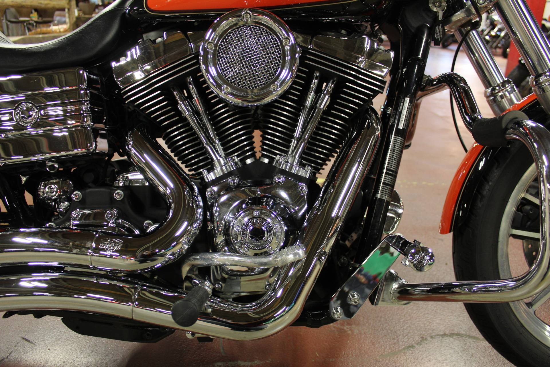 2009 Harley-Davidson Dyna® Low Rider® in New London, Connecticut - Photo 15