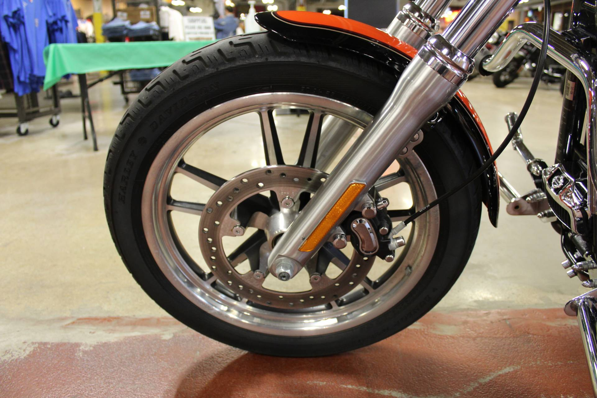2009 Harley-Davidson Dyna® Low Rider® in New London, Connecticut - Photo 21