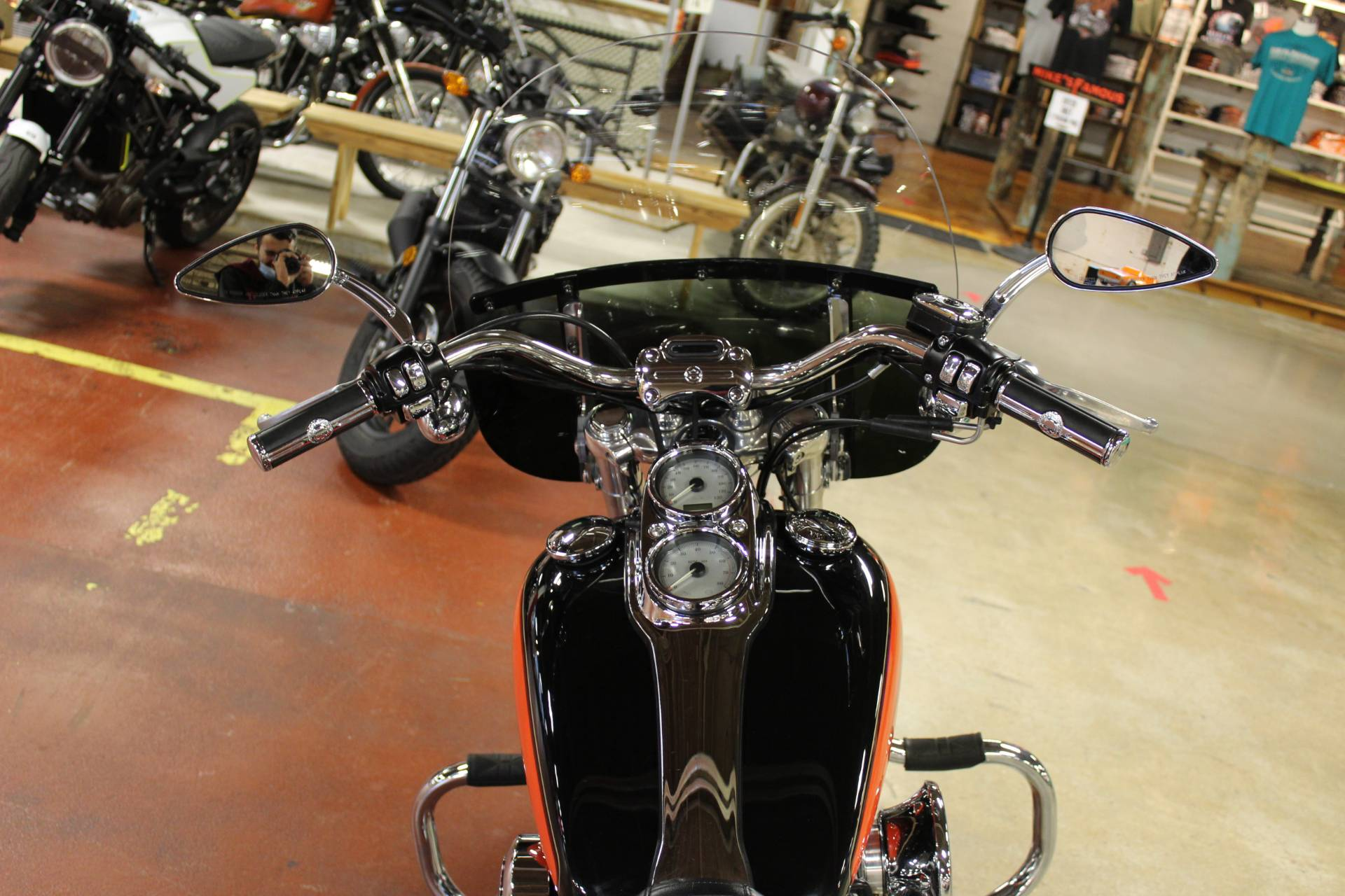 2009 Harley-Davidson Dyna® Low Rider® in New London, Connecticut - Photo 10