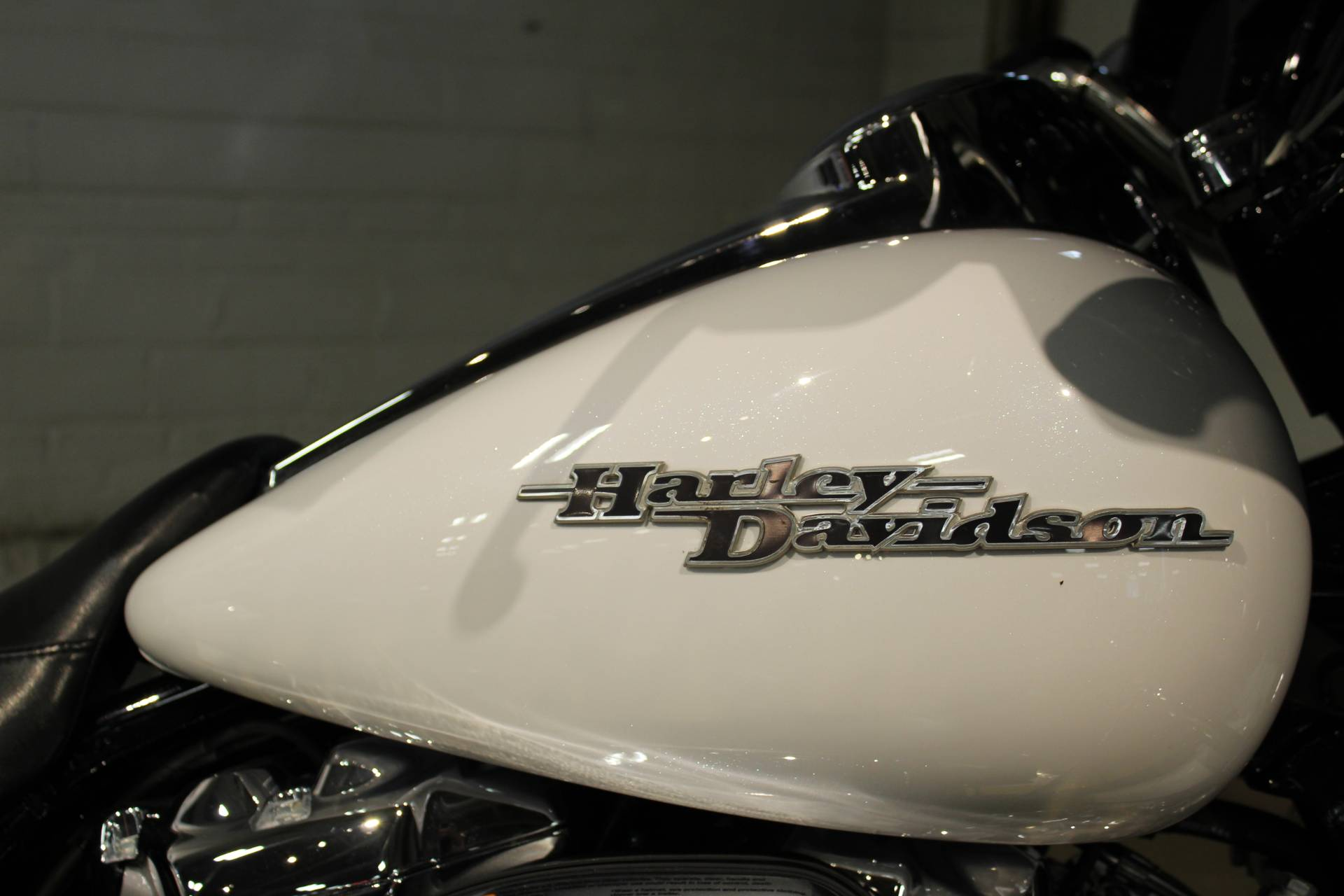 2017 Harley-Davidson Street Glide® Special in New London, Connecticut - Photo 9