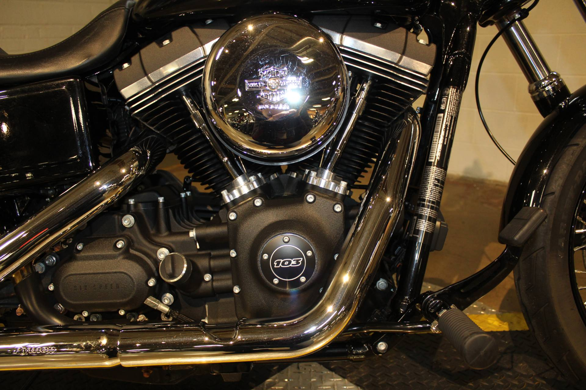 2017 Harley-Davidson Street Bob® in New London, Connecticut - Photo 15