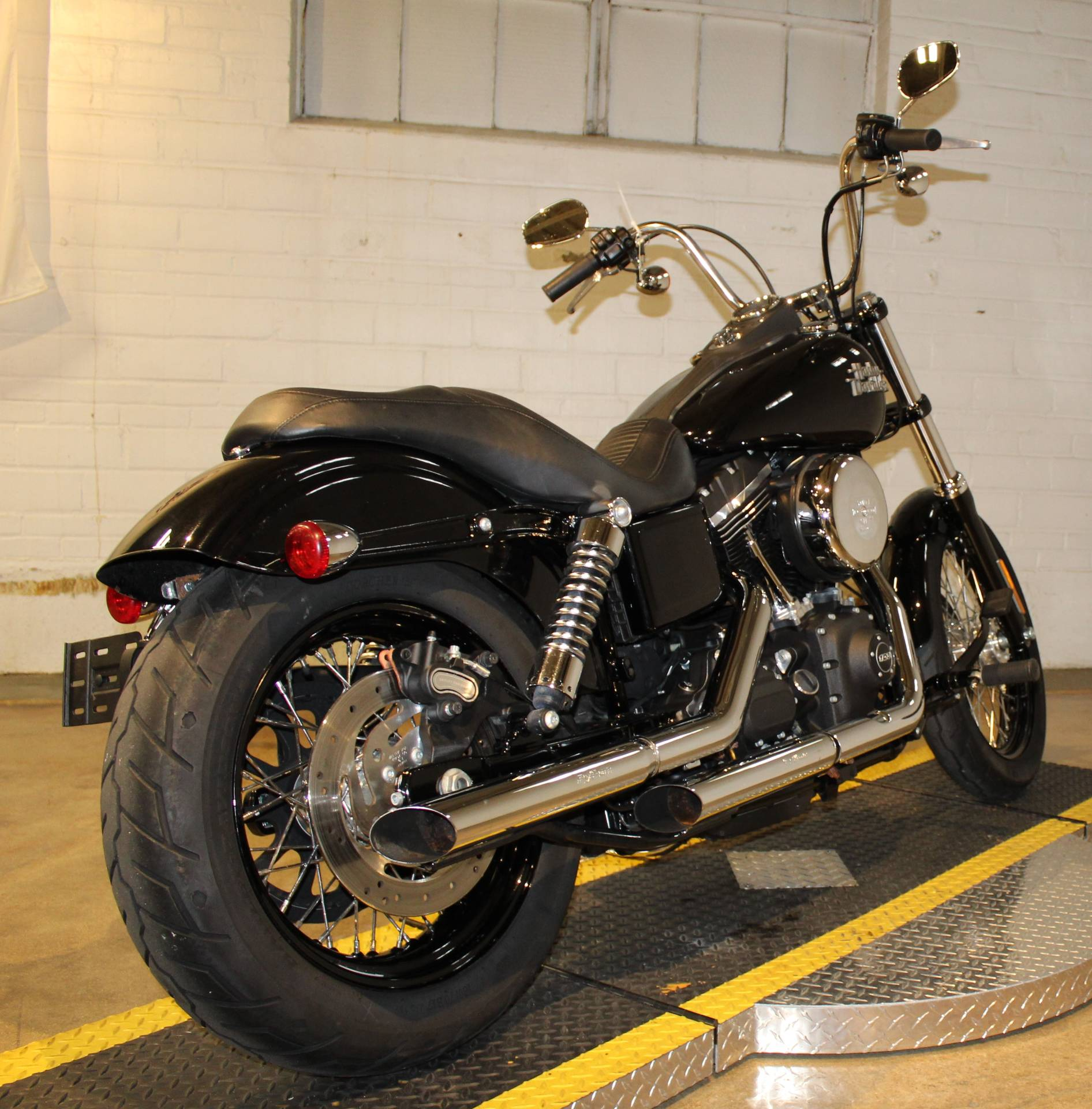 2017 Harley-Davidson Street Bob® in New London, Connecticut - Photo 2