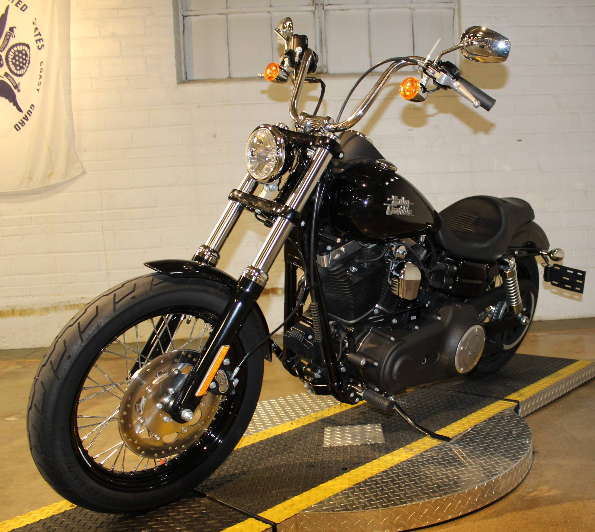 2017 Harley-Davidson Street Bob® in New London, Connecticut - Photo 6