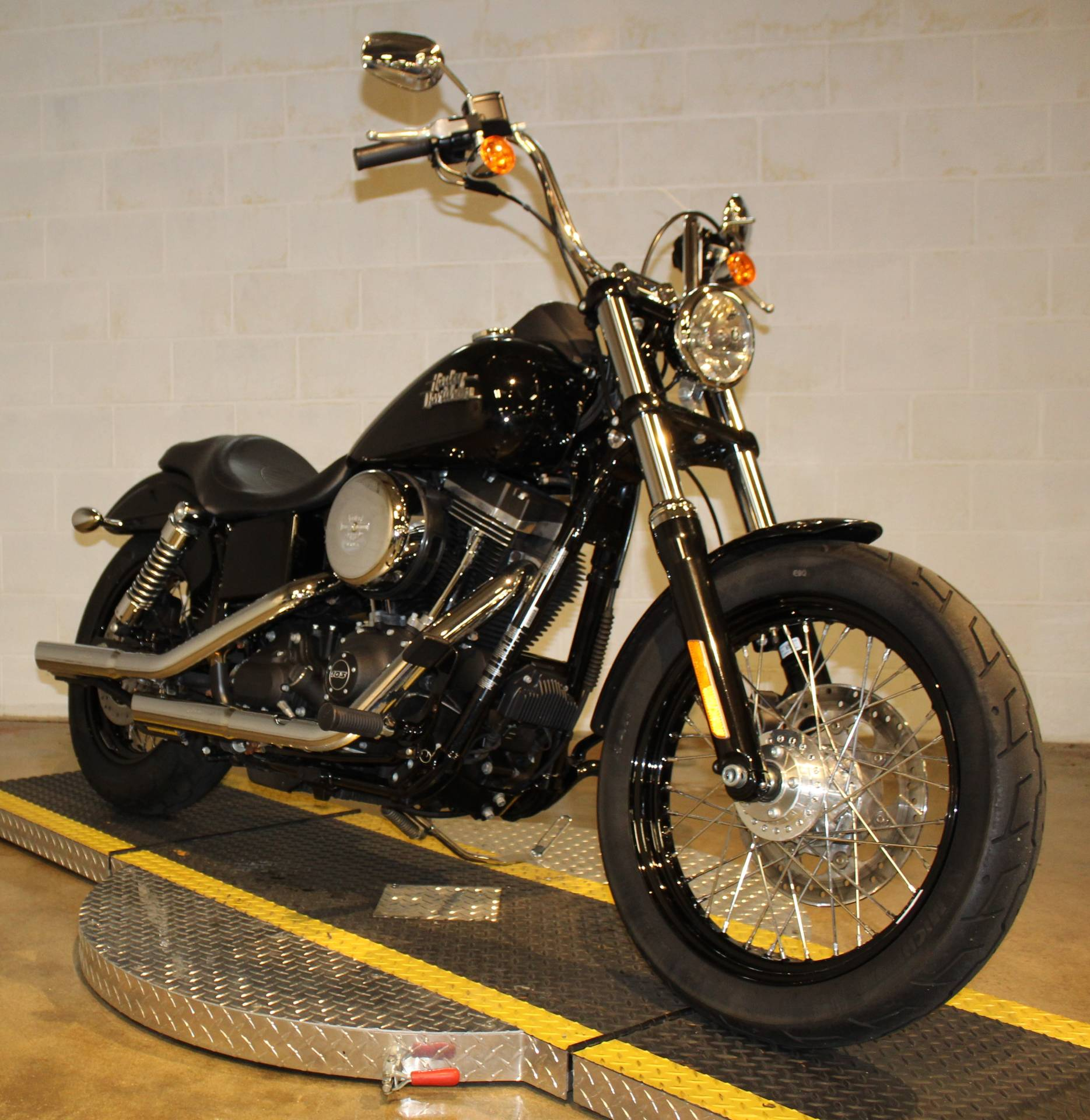 2017 Harley-Davidson Street Bob® in New London, Connecticut - Photo 8