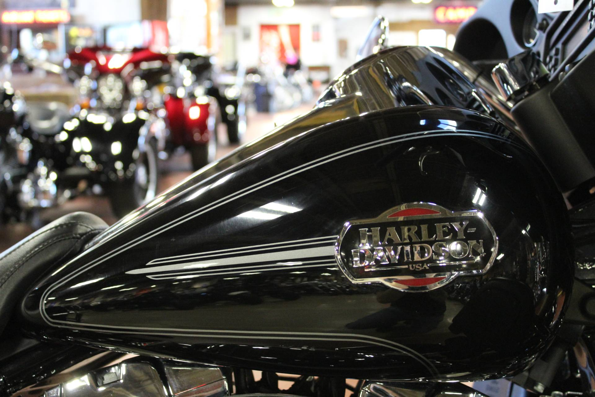 2008 Harley-Davidson Ultra Classic® Electra Glide® in New London, Connecticut - Photo 9
