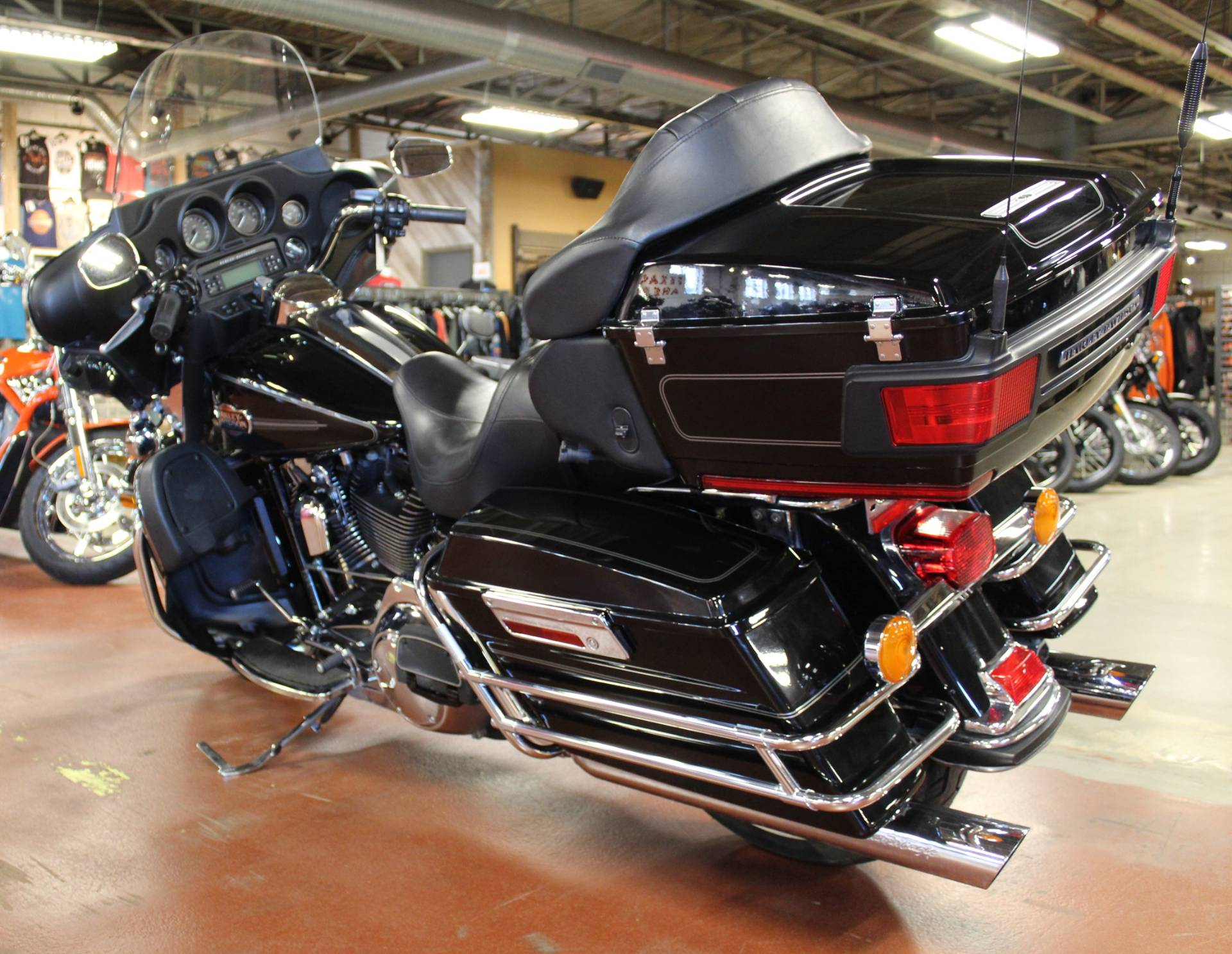 2008 Harley-Davidson Ultra Classic® Electra Glide® in New London, Connecticut - Photo 6