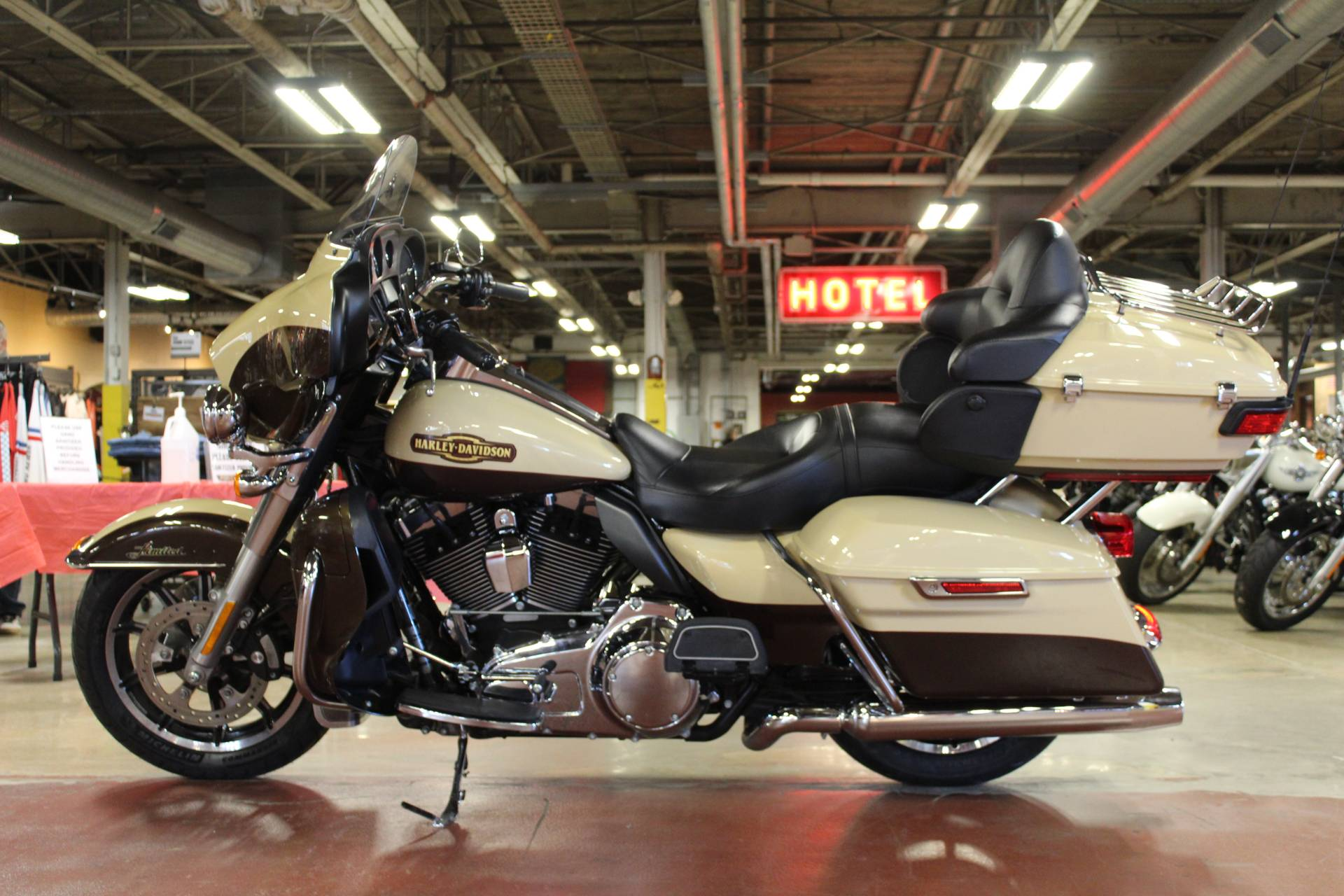 2014 Harley-Davidson Ultra Limited in New London, Connecticut - Photo 5