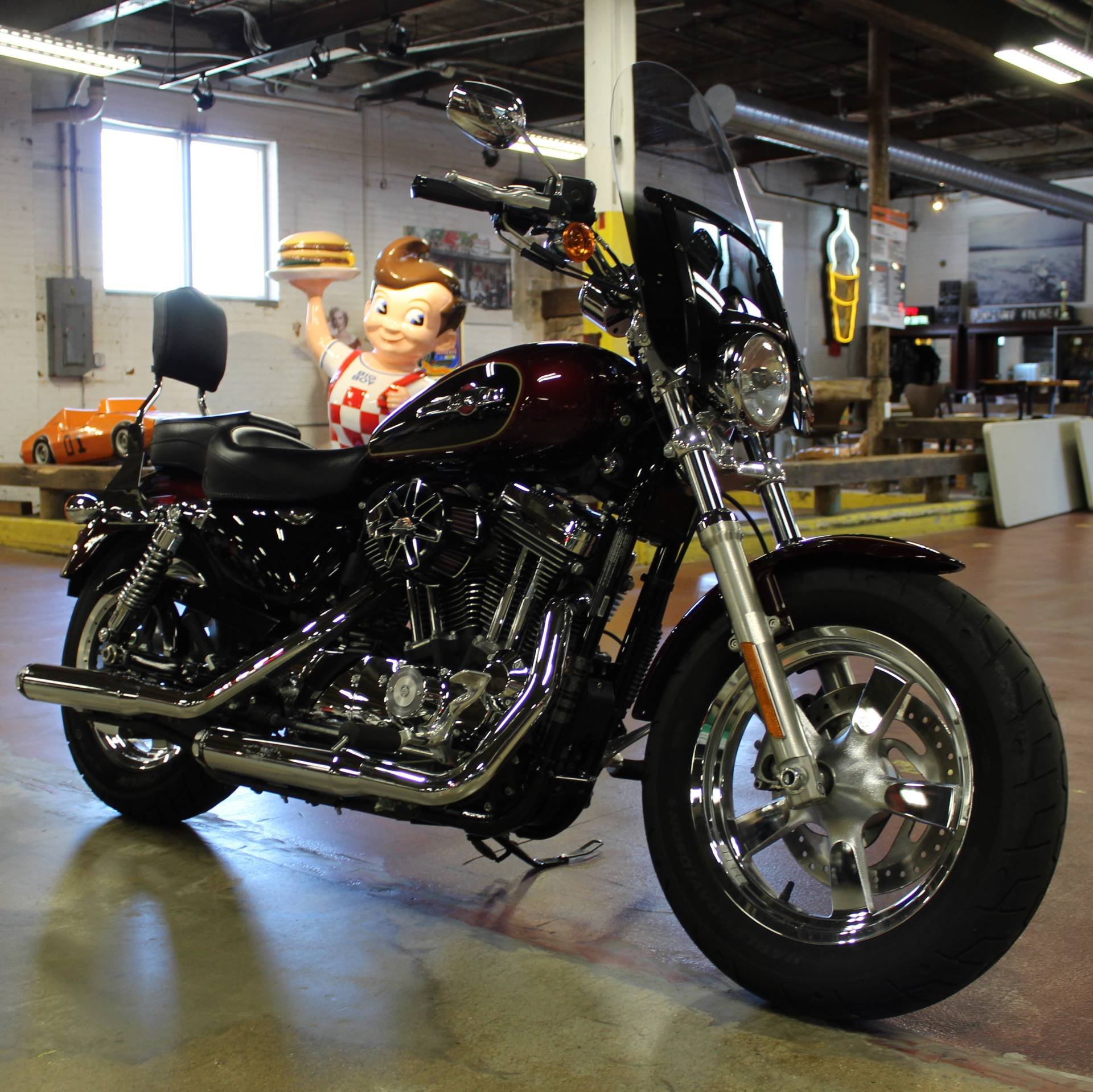 2015 Harley-Davidson 1200 Custom in New London, Connecticut - Photo 2