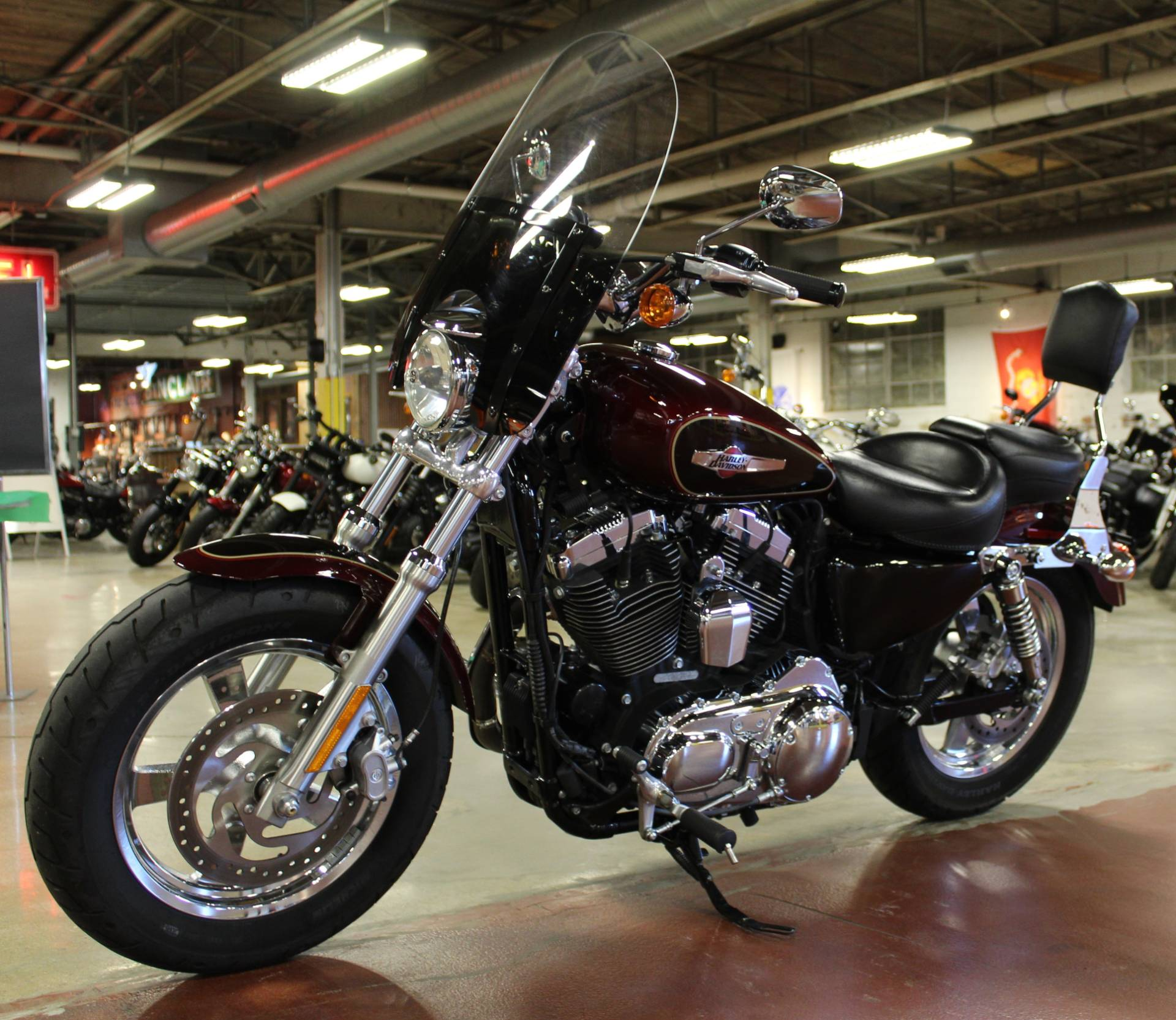 2015 Harley-Davidson 1200 Custom in New London, Connecticut - Photo 4
