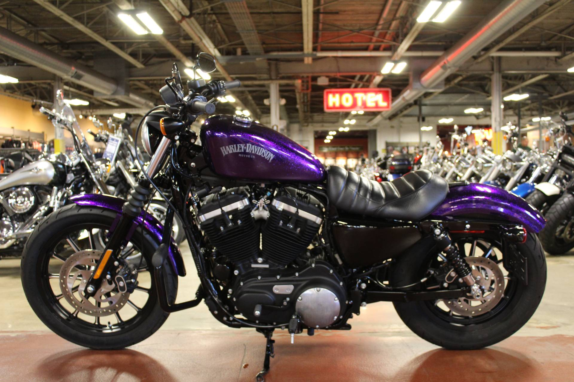 2014 Harley-Davidson Sportster® Iron 883™ in New London, Connecticut - Photo 5