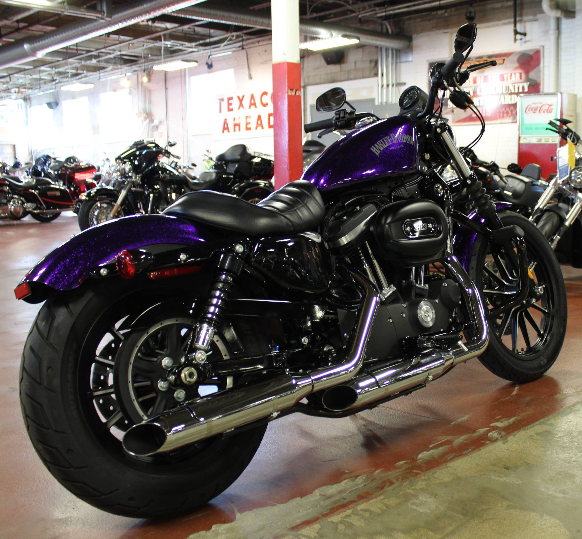 2014 Harley-Davidson Sportster® Iron 883™ in New London, Connecticut - Photo 8