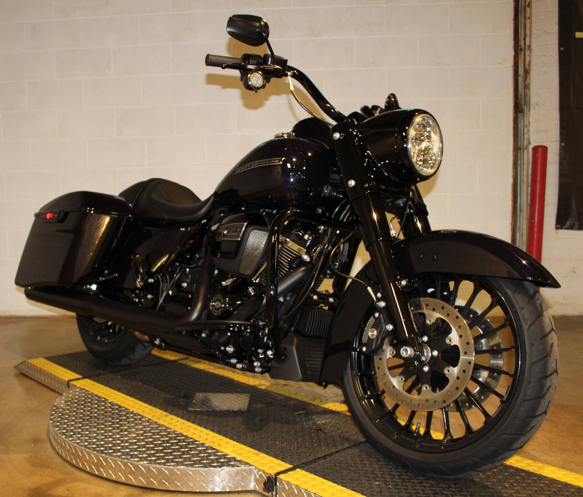 2019 Harley-Davidson Road King® Special in New London, Connecticut - Photo 7