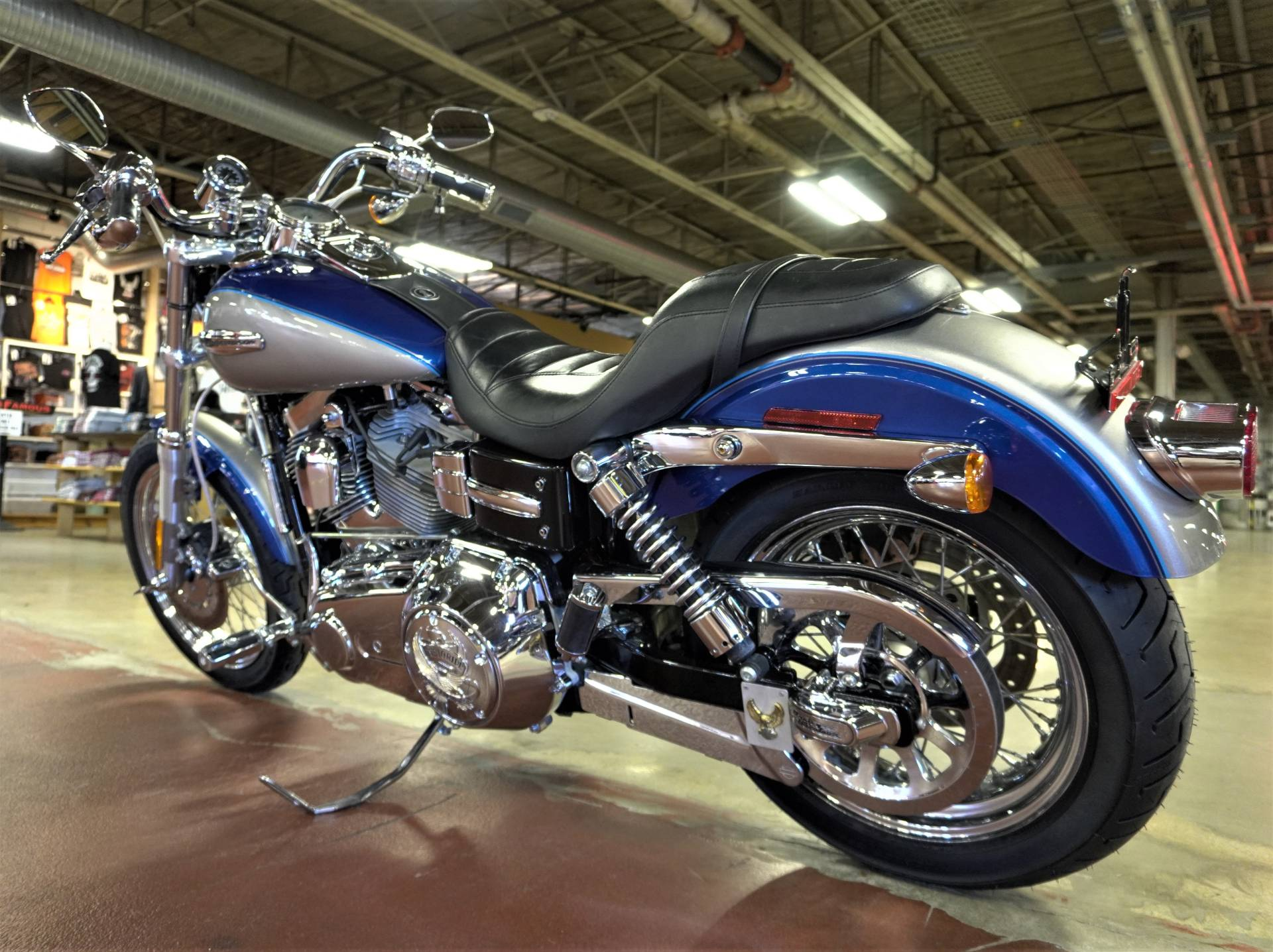 2009 Harley-Davidson Dyna® Super Glide® Custom in New London, Connecticut - Photo 6