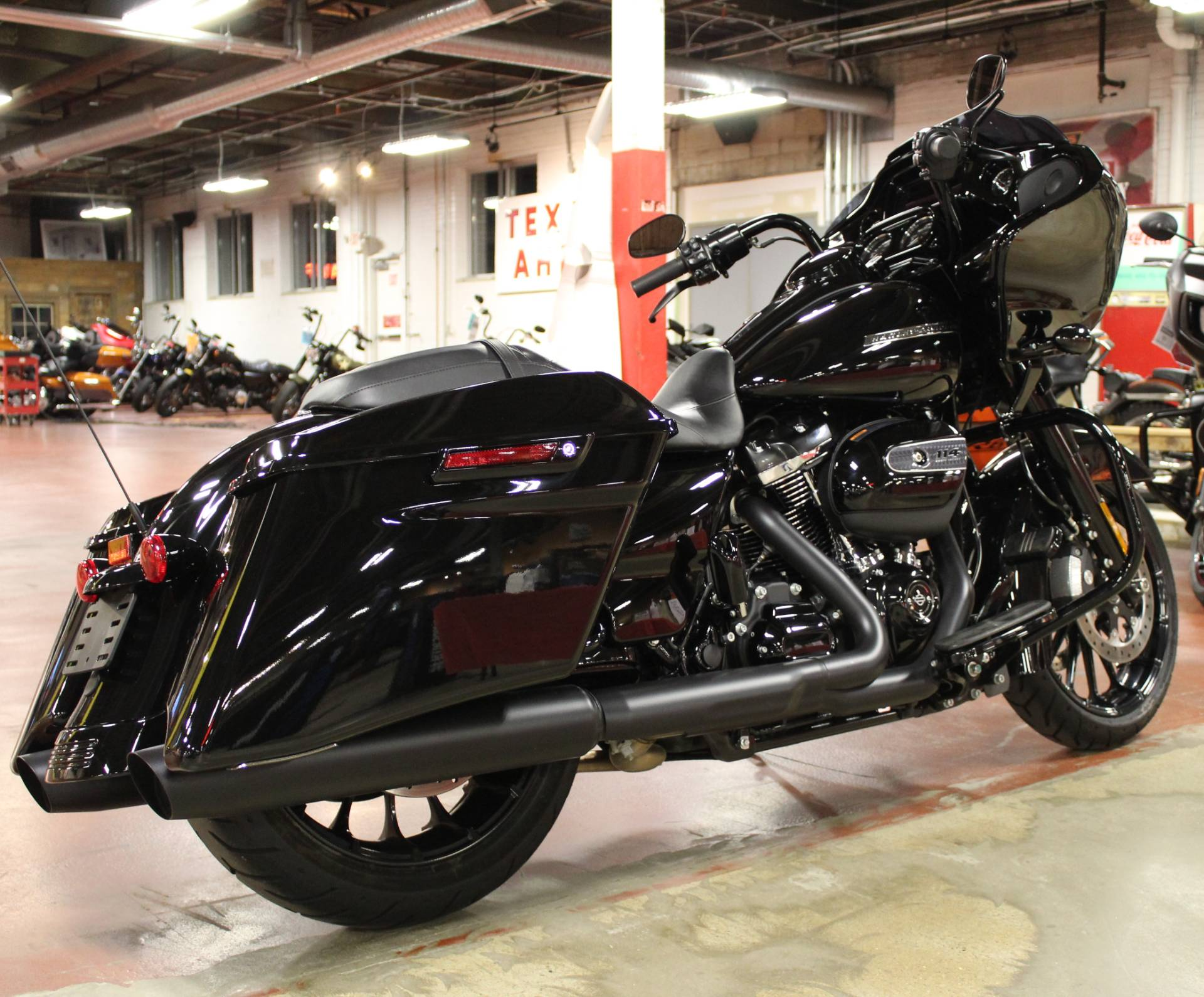 2019 Harley-Davidson Road Glide® Special in New London, Connecticut - Photo 8