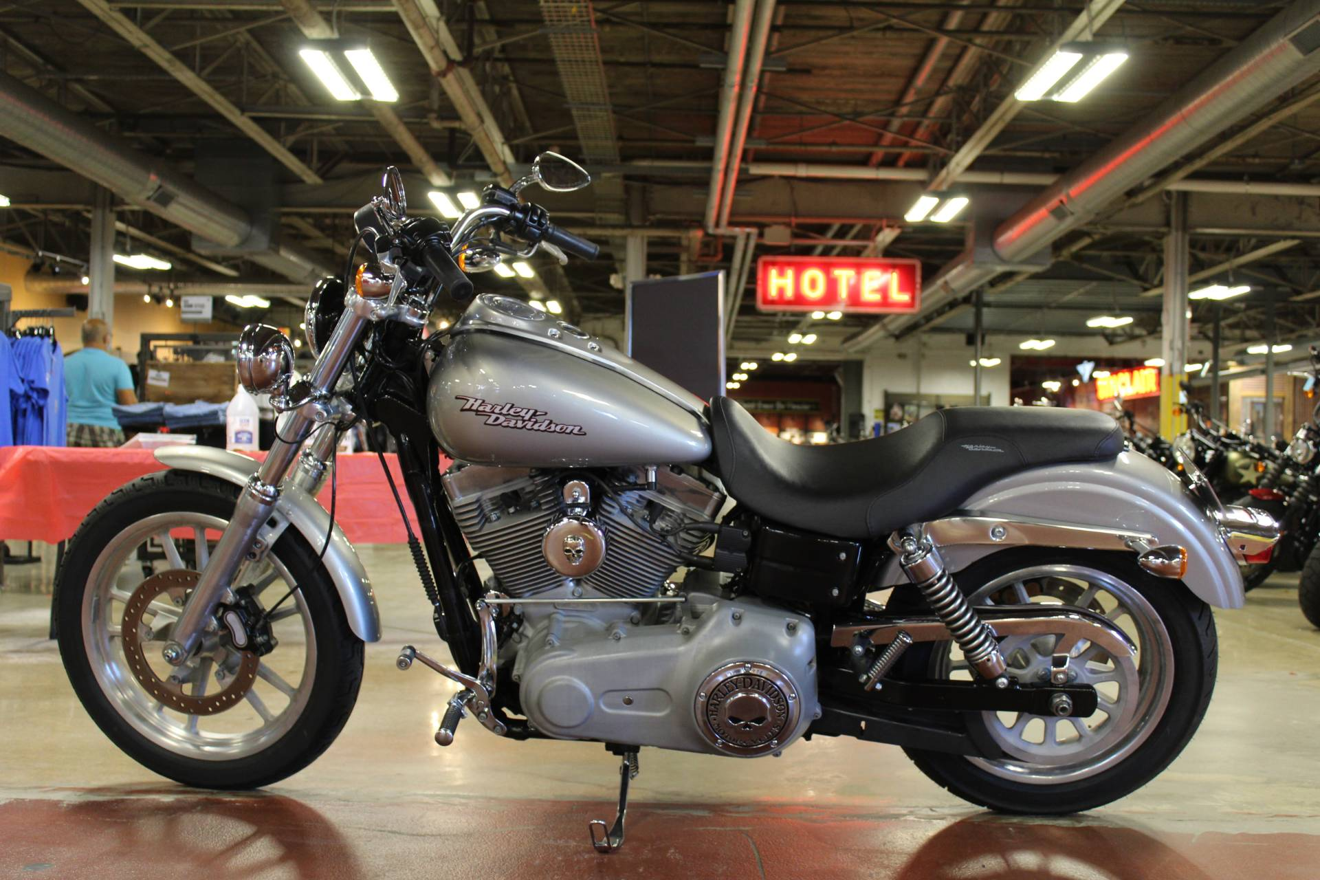 2008 Harley-Davidson Dyna® Super Glide® in New London, Connecticut - Photo 5