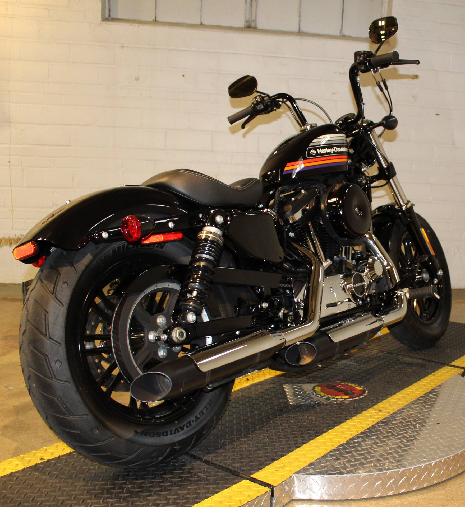 2018 Harley-Davidson Forty-Eight® Special in New London, Connecticut - Photo 2