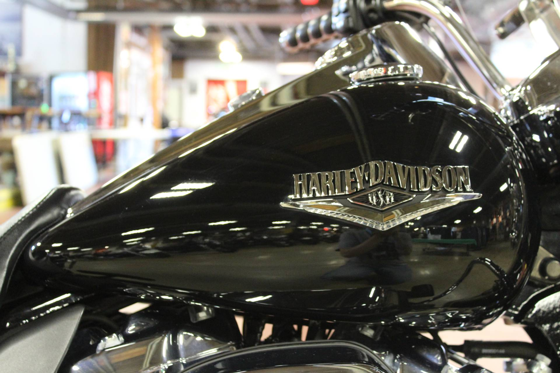 2018 Harley-Davidson Road King® in New London, Connecticut - Photo 9