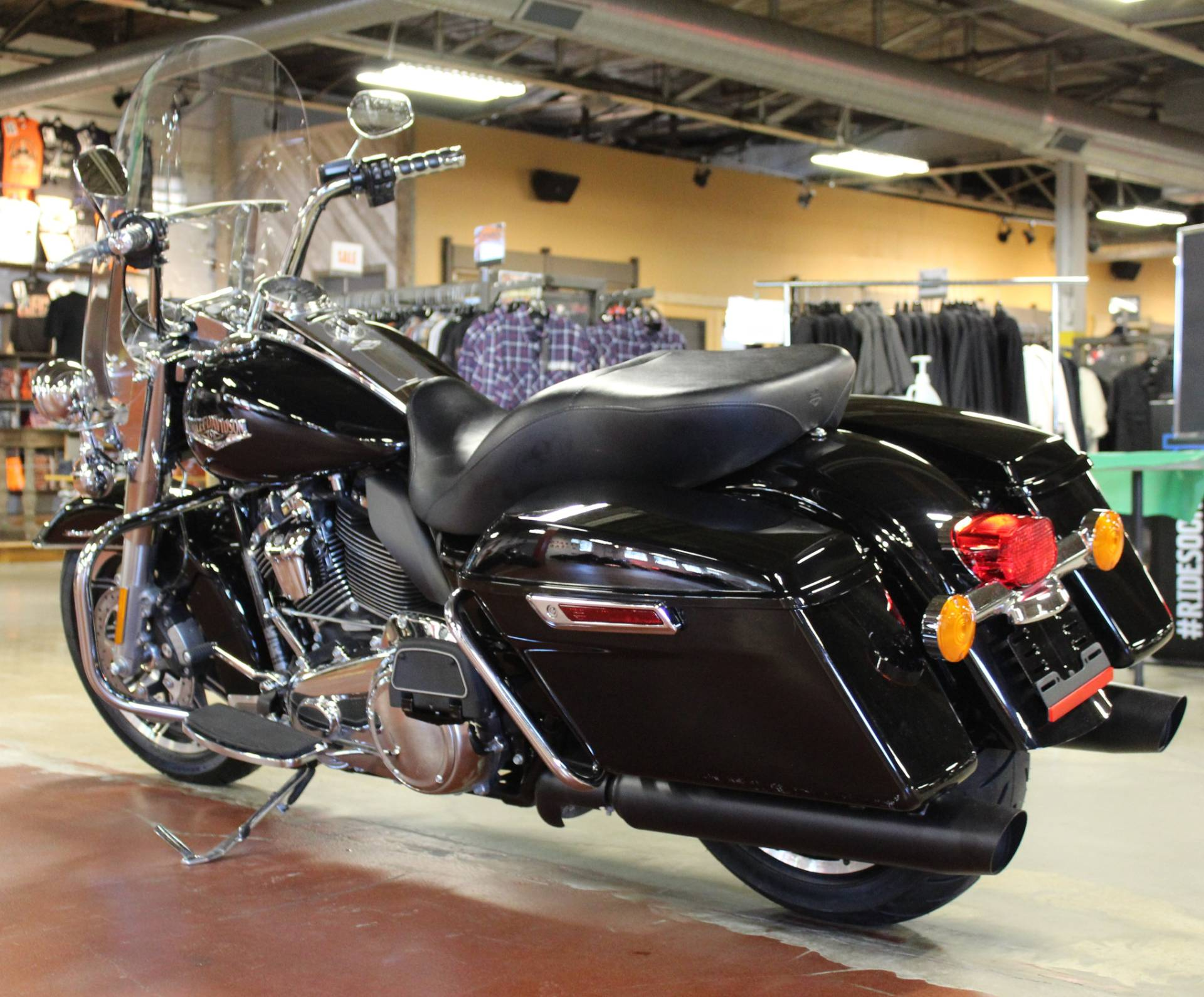 2018 Harley-Davidson Road King® in New London, Connecticut - Photo 6