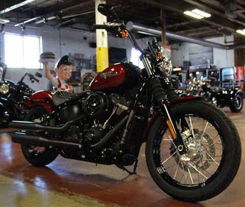 2018 Harley-Davidson Street Bob® 107 in New London, Connecticut - Photo 2
